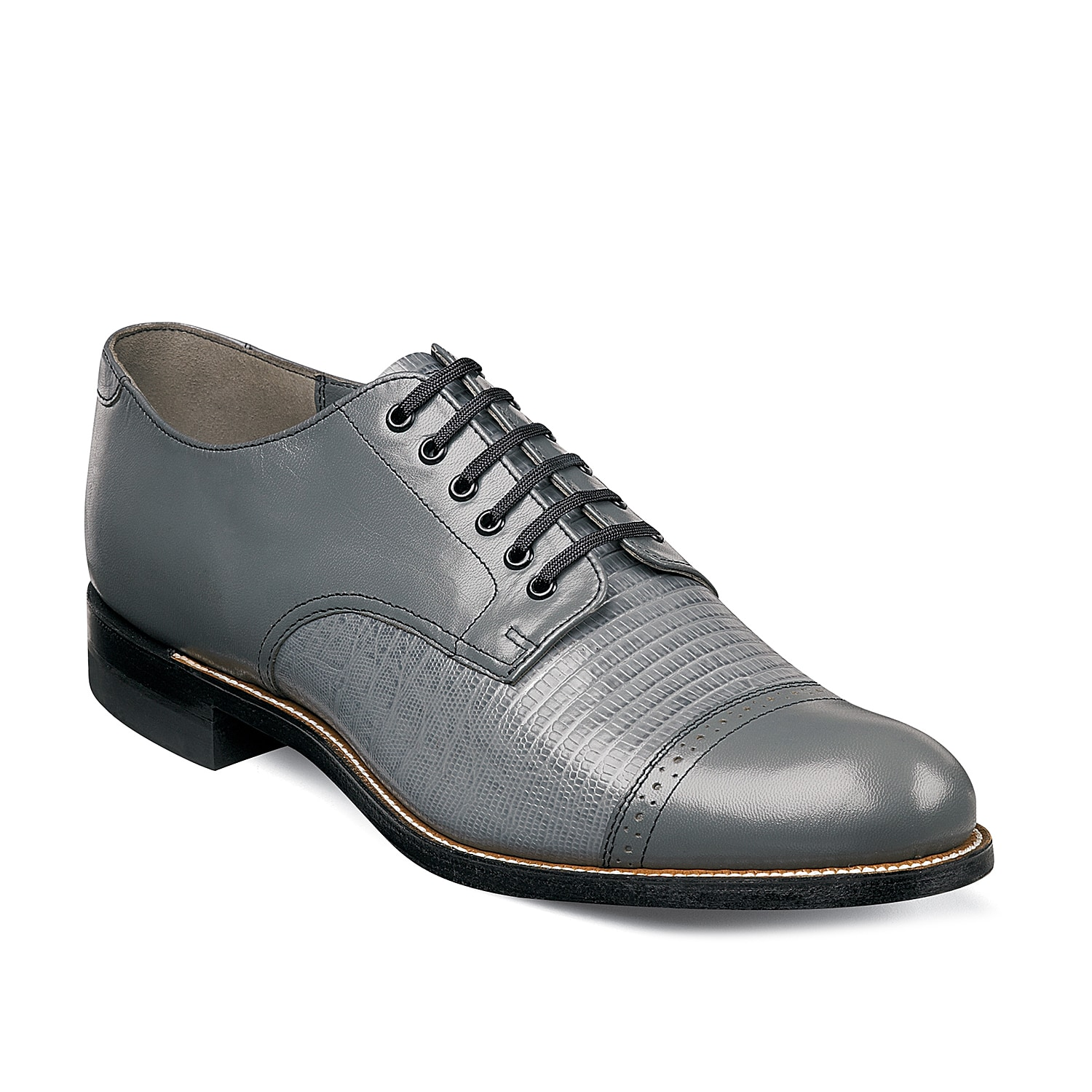 Dress to impress in the Stacy Adams Madison oxford. With a stylish leather upper, cap toe, and fun color options you\\\'ll be sure to turn heads!