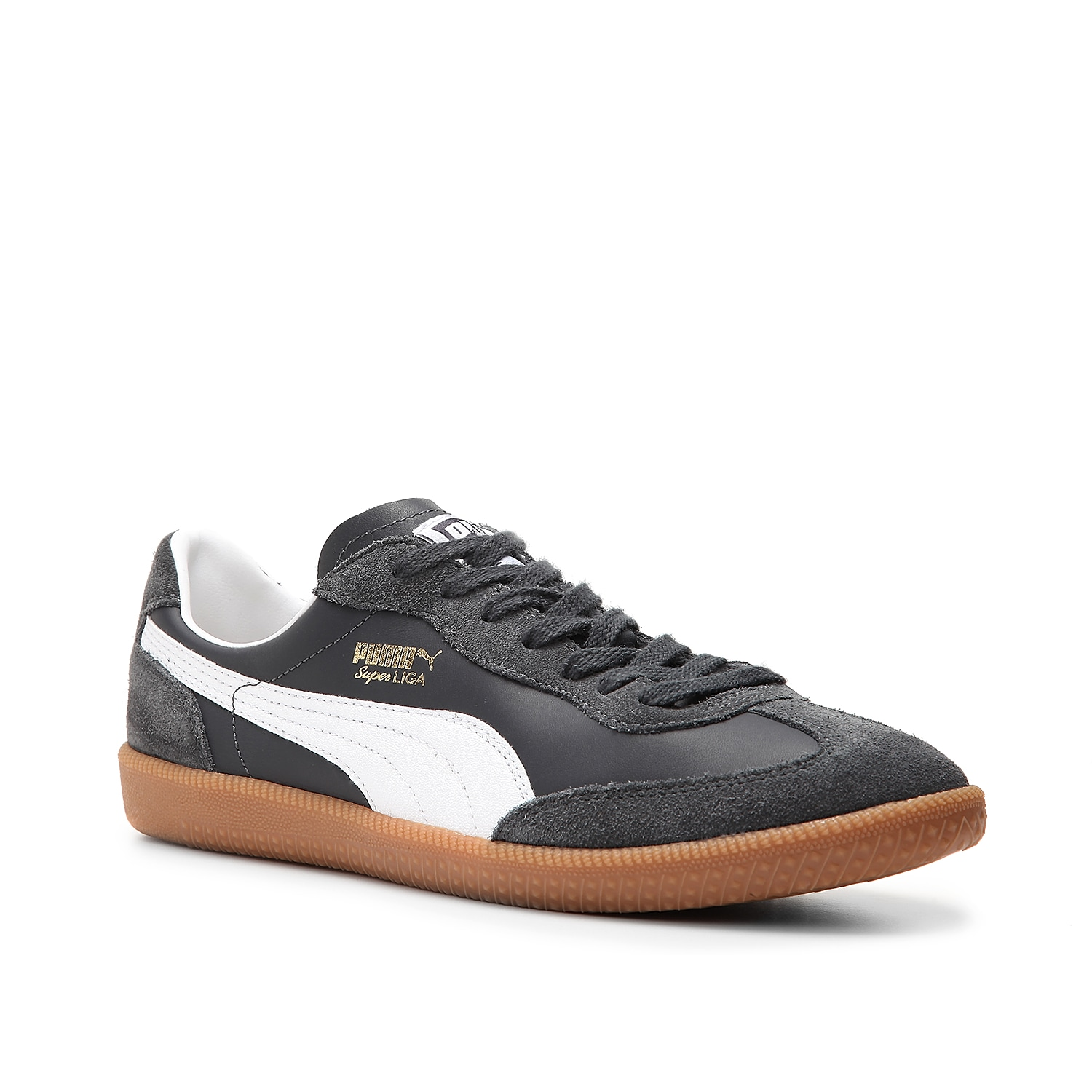 Simple classic style is what you will find in the men\\\'s Puma Super Liga suede sneaker. Well known for its indoor soccer style but versatile enough to play up any casual attire, this retro shoe is a must-have for laid back style both on and off the field.