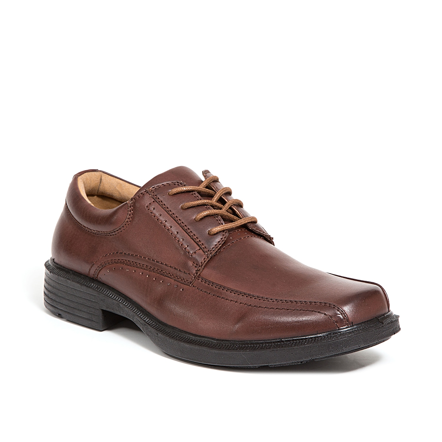 Put your best-looking foot forward in the Williamsburg oxford from Deer Stags. With quality craftsmanship and comfort features, this lace-up shoe will become a favorite in no time!