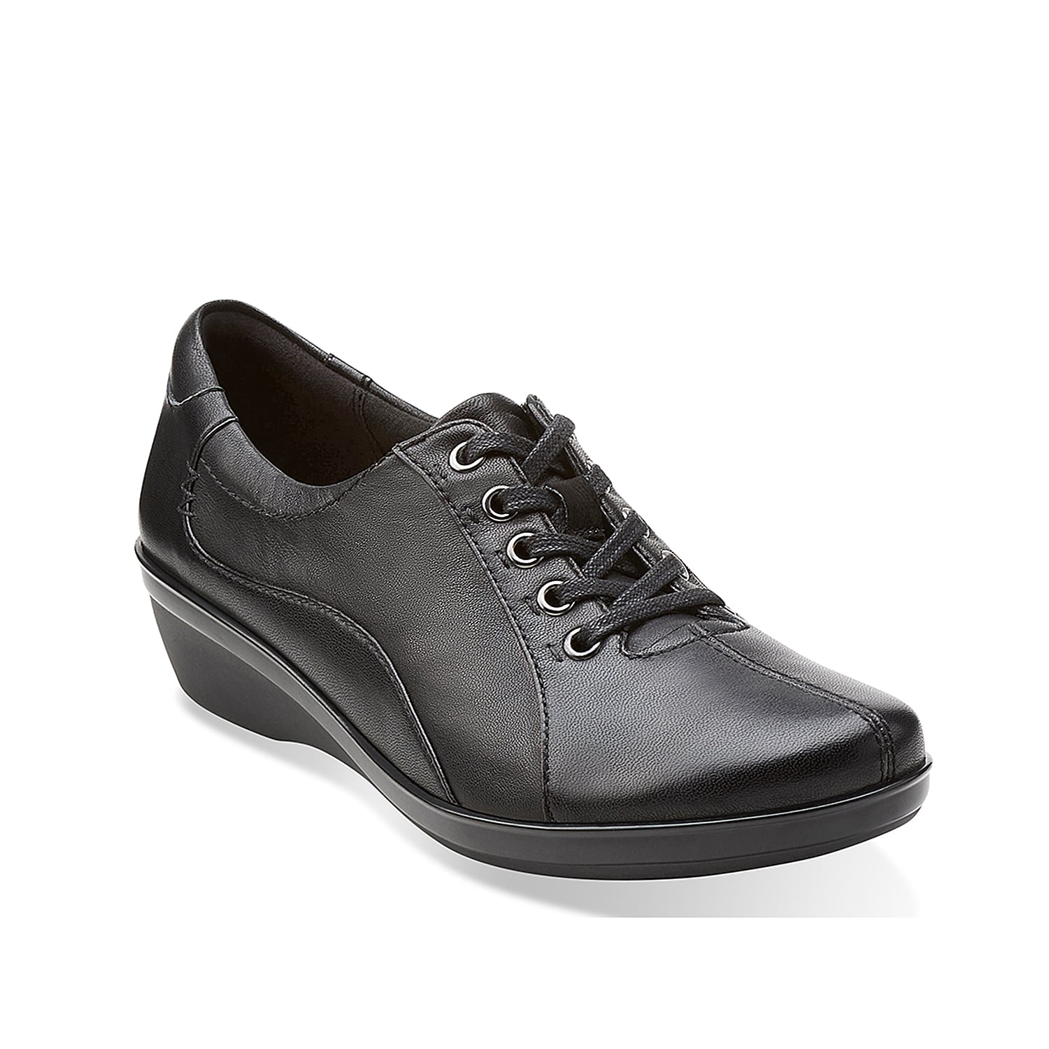 This leather oxford from the Clarks Collection has a sleek, athletic-inspired silhouette that\\\'s right on trend this season.