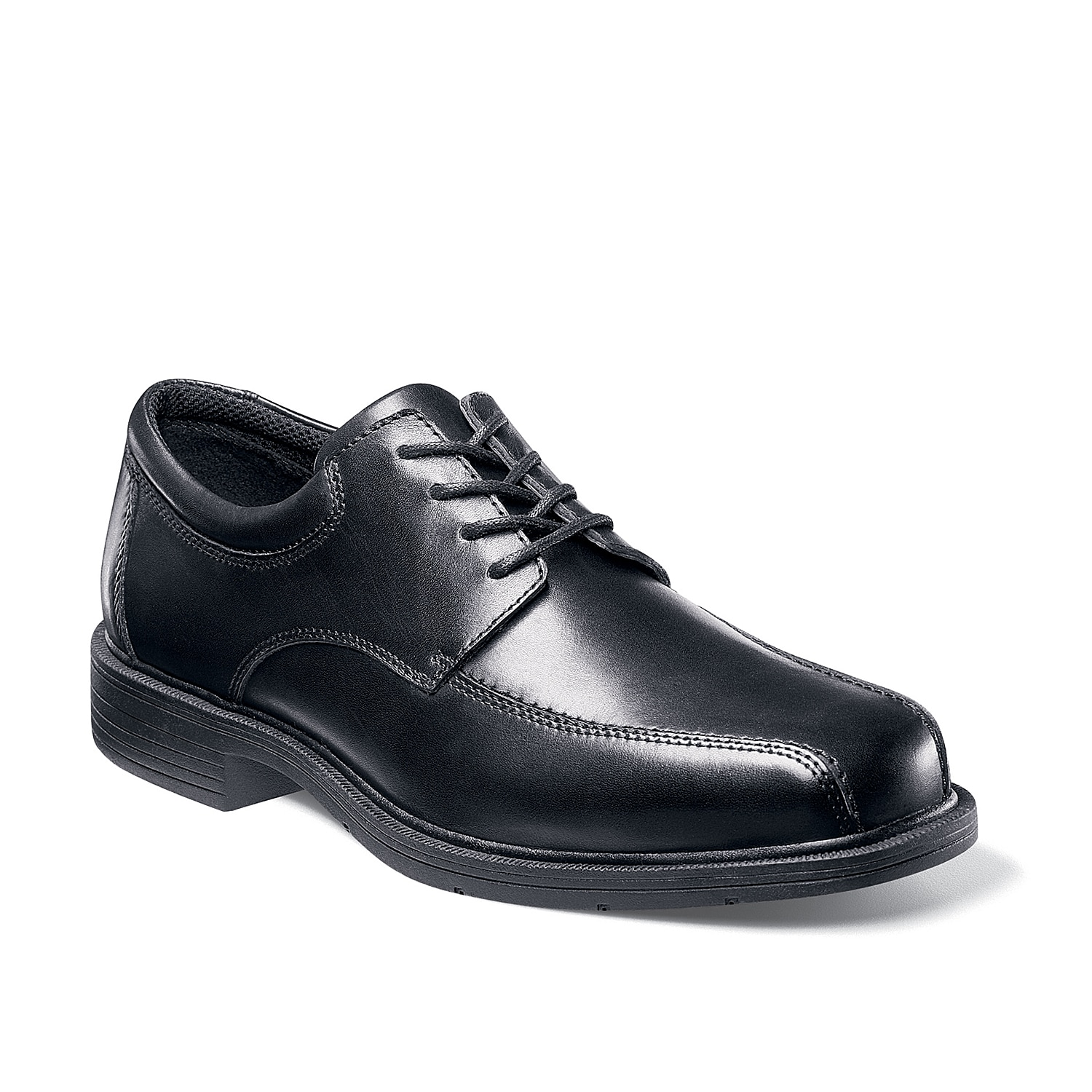 The perfect dress shoe for a long day at the office, the Jasen bike toe oxford from Nunn Bush features comfort and style.