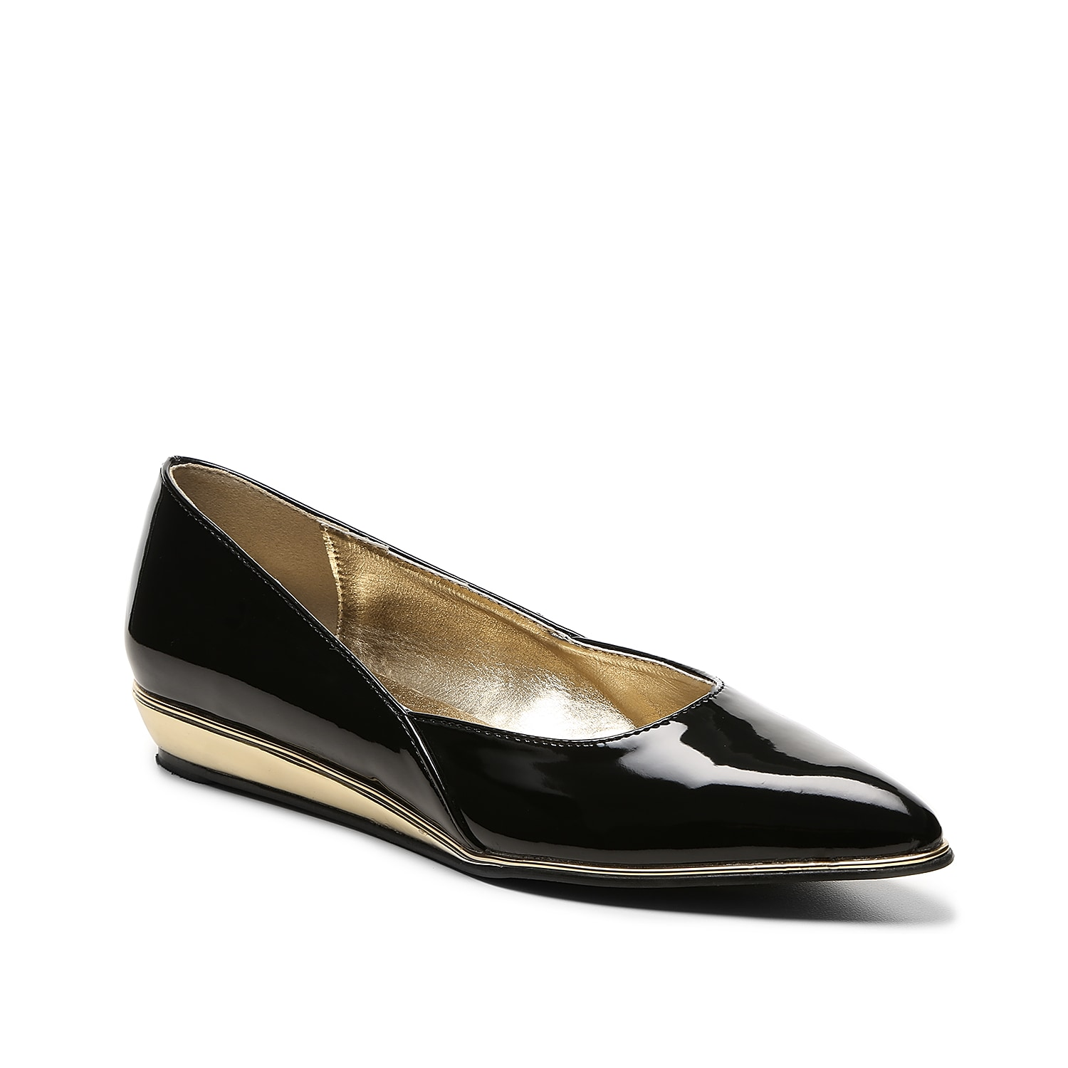 This simple patent wedge from Bellini is just what you need to elevate your basic pointed toe collection. Try the Famous flat today!