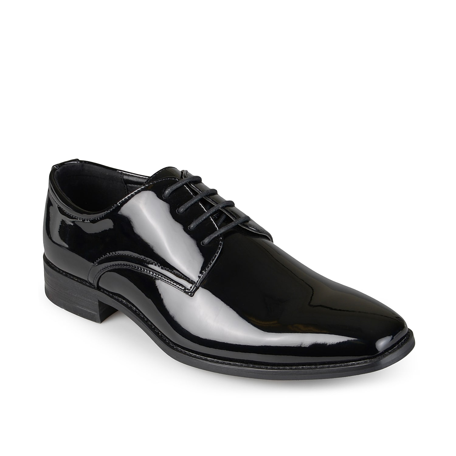 Add a touch of sheen to your suited up look with the Vance Co. Cole oxford. Defined by a glossy finish, these tuxedo shoes sport a square toe design to complete its classic silhouette.