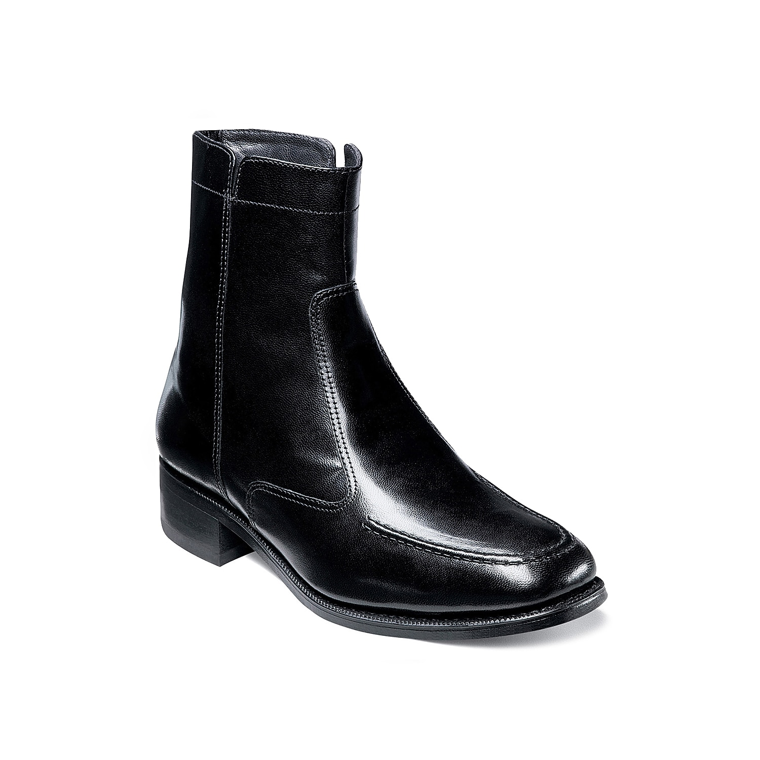 The Florsheim Essex ankle boot is a classic dress boot for gentlemen of every generation. It has a sleek and simple silhouette that will lift your look.