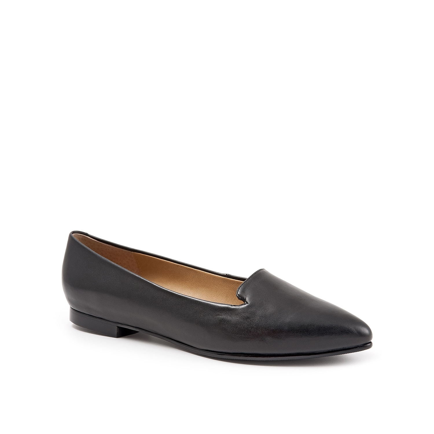 Get your feet pampered on the go by donning this Trotters Harlowe flat. This slip-on is enhanced with a cushioned footbed for excellent comfort and pointed silhouette for a classic appeal.