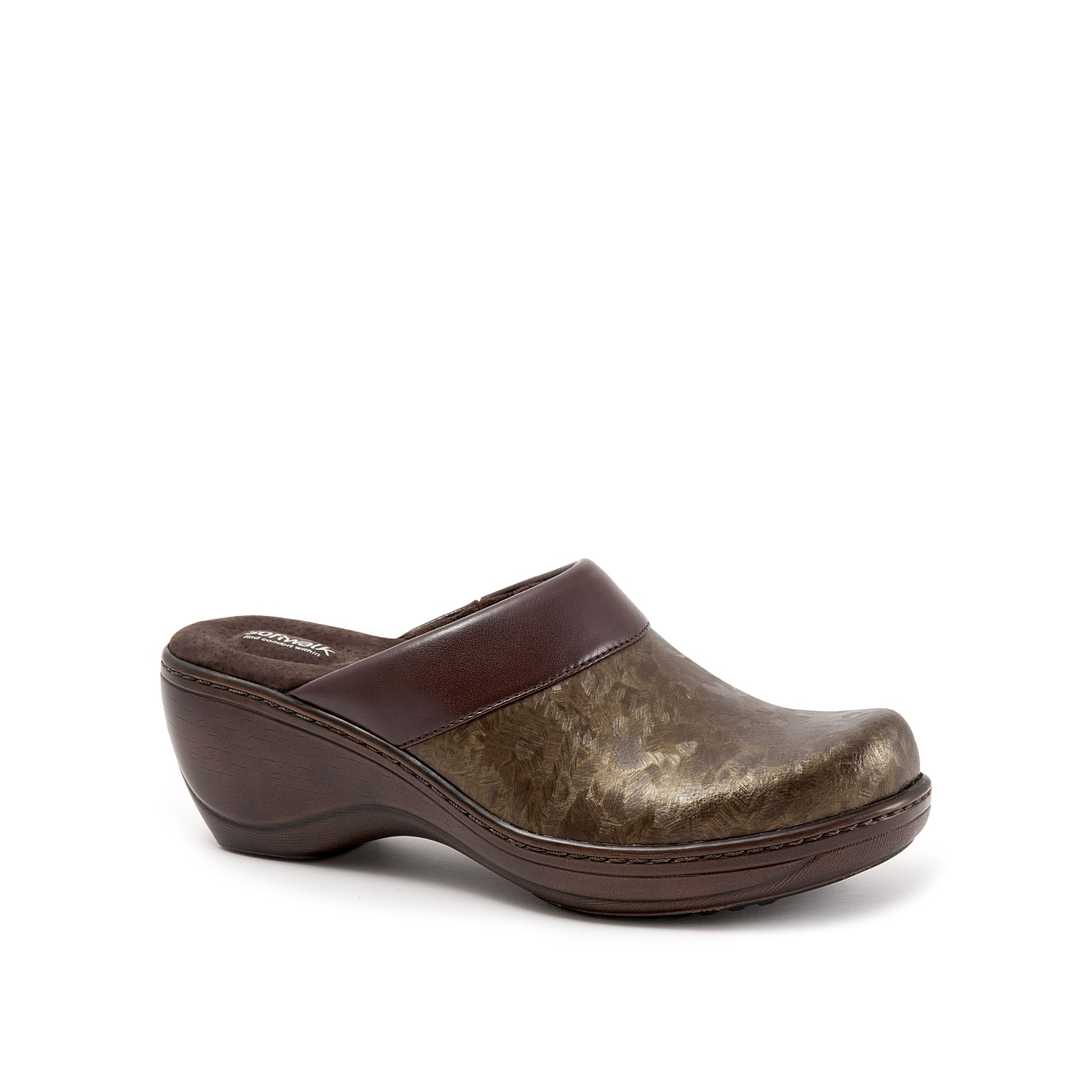 The Softwalk Murietta clog offers distinctive appeal. This wedge features antimicrobial lining for odor-free comfort and rubber gripping plates on the sole for superior traction.