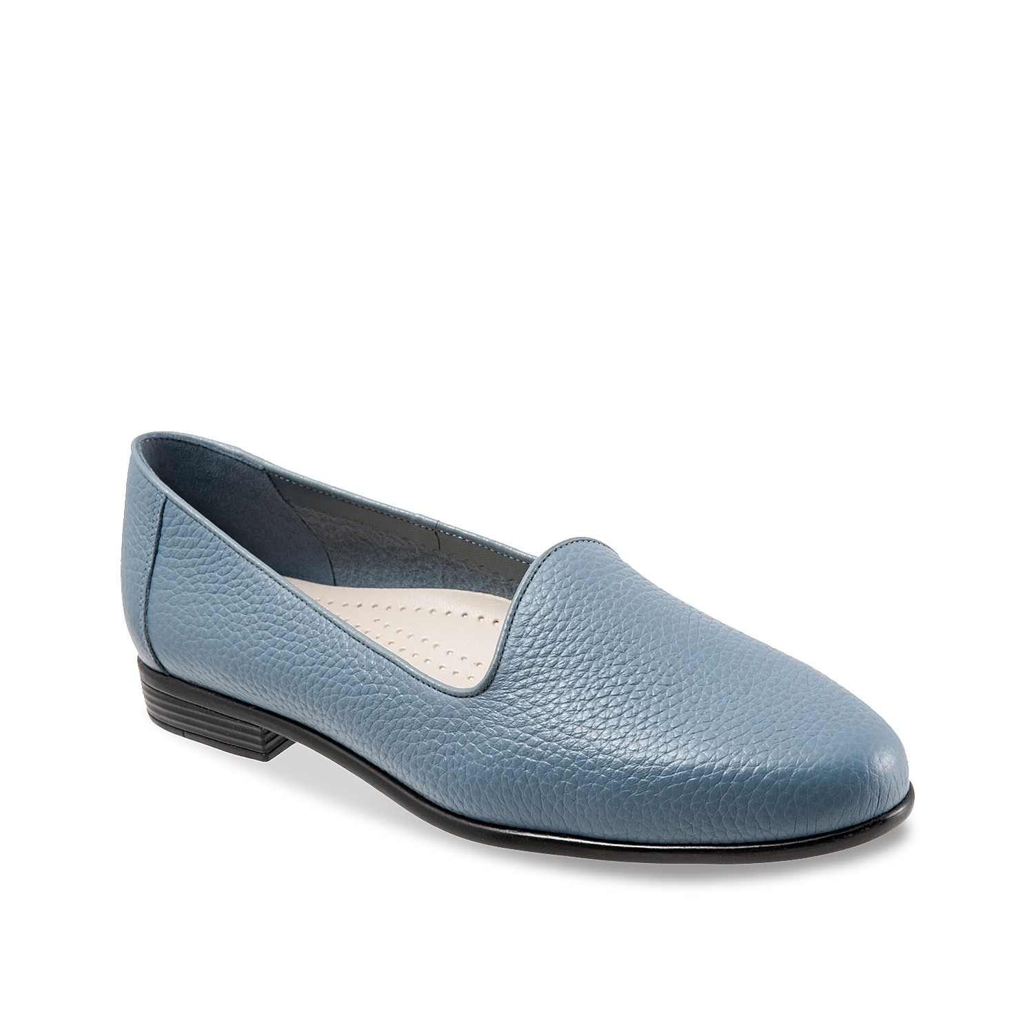Finish off your tailored look with the Liz loafer from Trotters. A subtle cutaway lip and cushioned footbed with arch support make these flats so comfortable you\\\'ll never want to take them off!