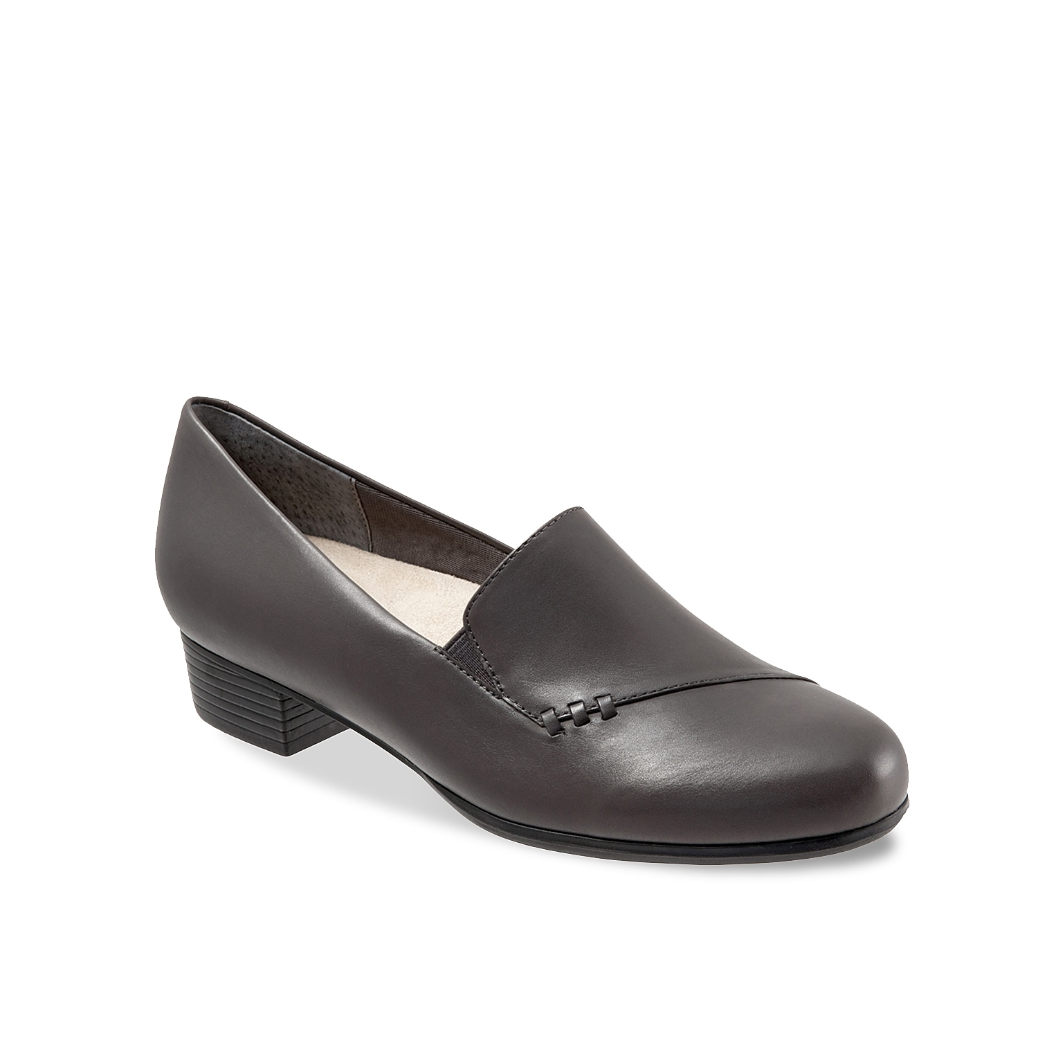 Finish off your tailored look with the Moment loafer from Trotters. An antimicrobial lining and removable cushioned insole creates a comfortable silhouette that you can go all day in.