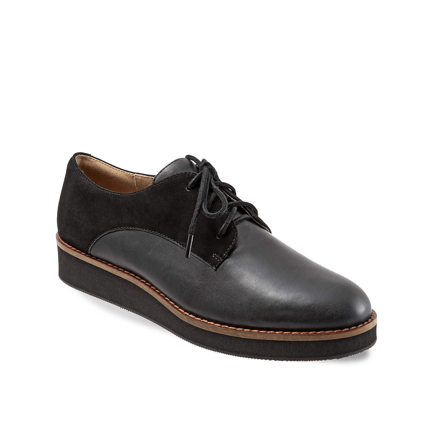 Remix your oxford collection with this dress shoe from Softwalk. The Willis has a subtle texture to the leather upper and is fitted with a lightweight EVA outsole.