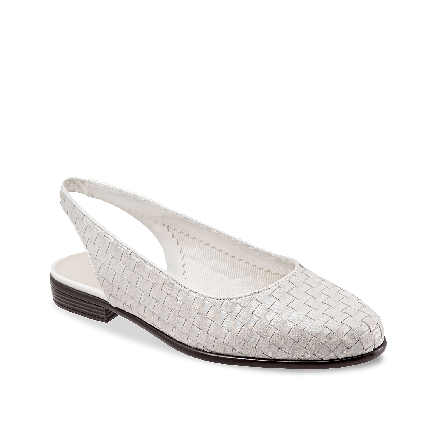 Infuse an element of fun to your style with the Lucy flat from Trotters. Featuring a slingback silhouette twisted in an eye-catching bucket weave texture, this flat will bring out the fashionista in you.