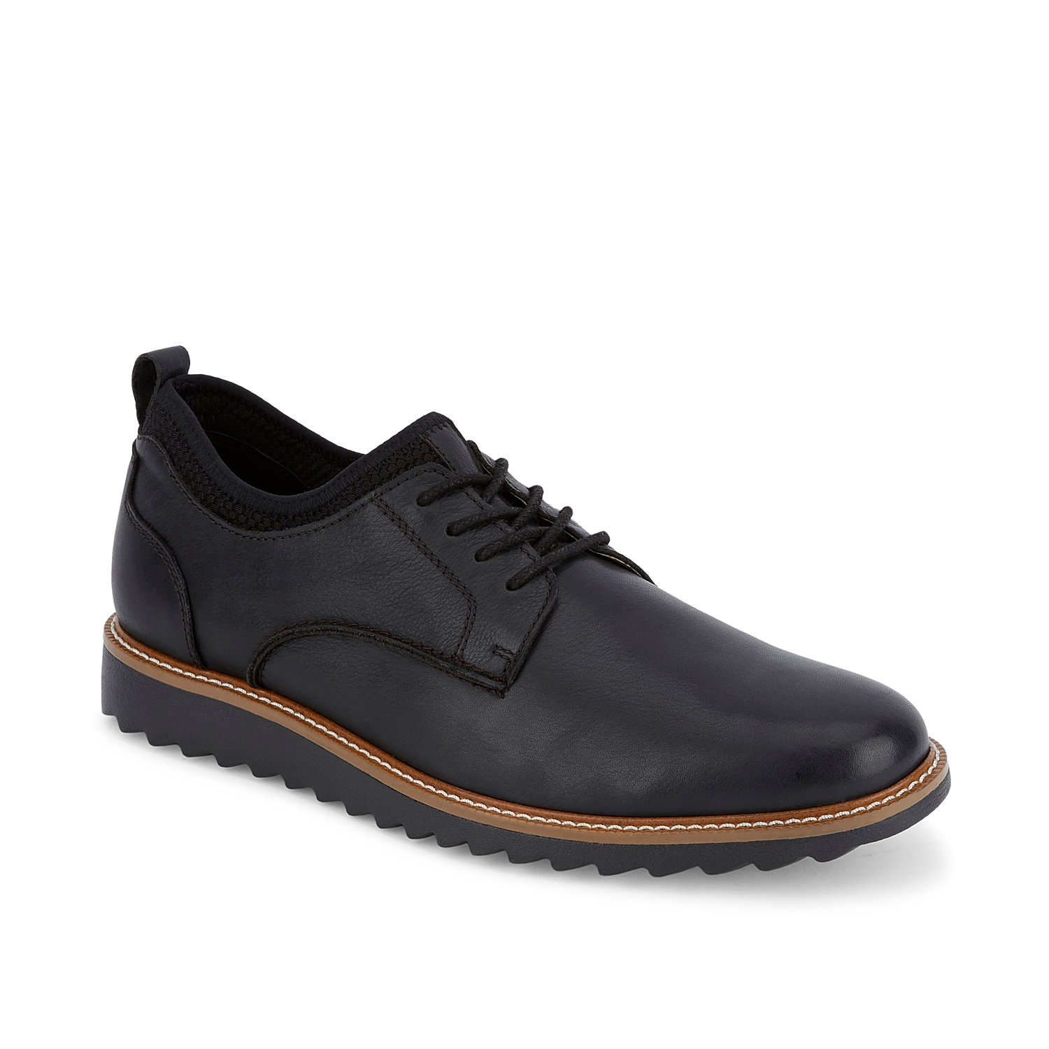 Look and feel your best in the Elon oxford from Dockers. These leather dress shoes feature NeverWet®technology to keep you dry and are finished with a high-rebound footbed for lasting comfort.