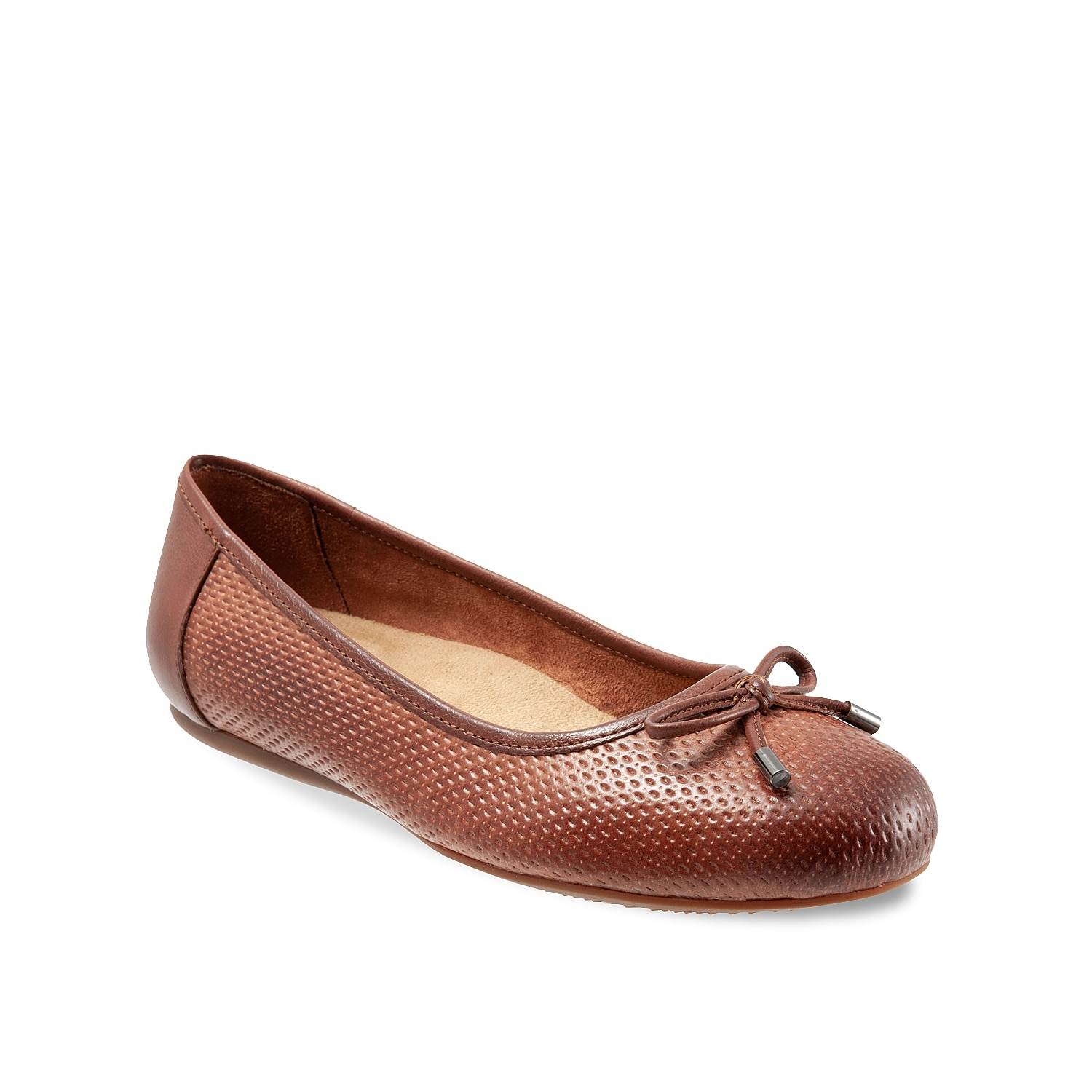 Get the support you need with the Napa ballet flat from Softwalk. A plush footbed with arch support will keep you comfortable as the perforated detailing and bow accent will add charming style to any outfit.