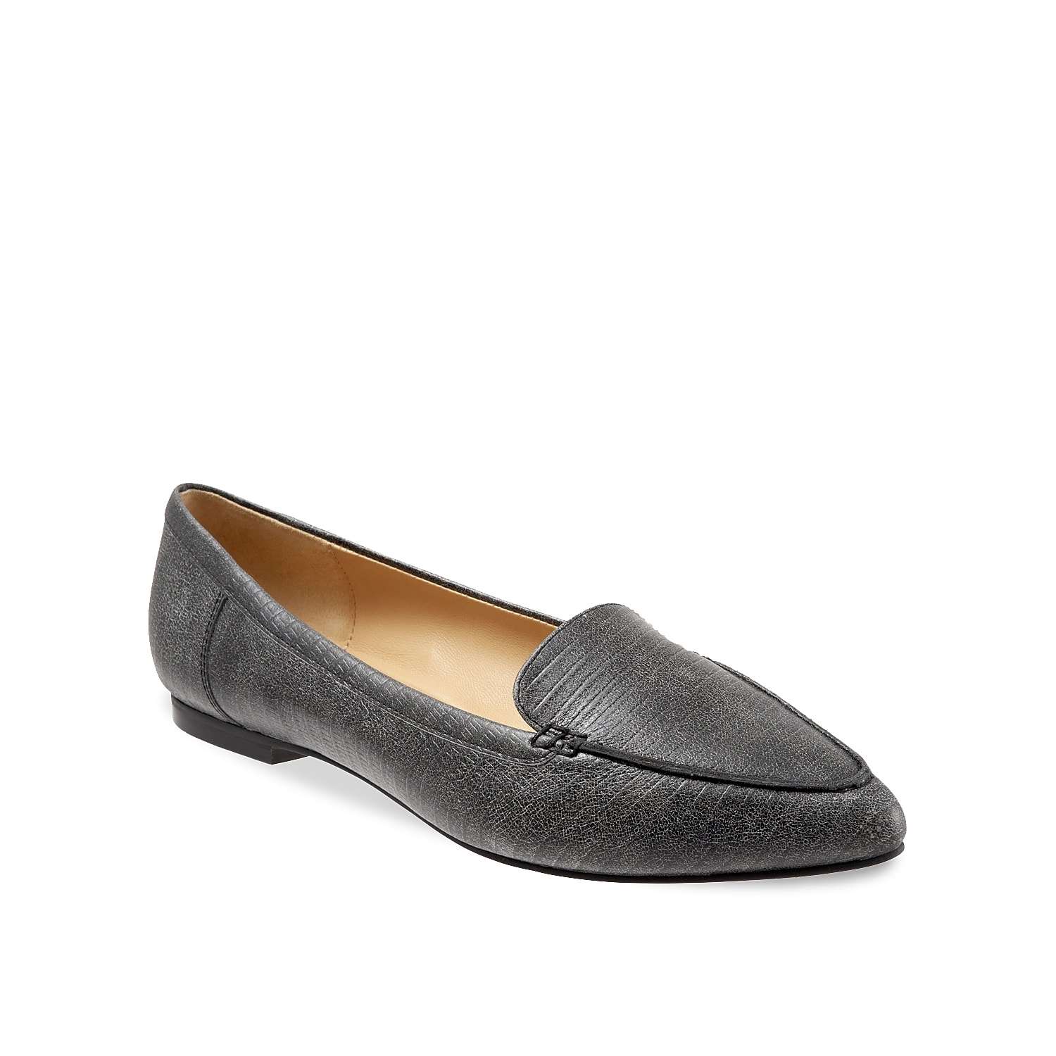 Classic and sophisticated, the Ember loafer from Trotters will quickly become a staple in your wardobe. A cut-away lip and pointed toe creates a tailored silhouette that will pair with anything from jeans to slacks.