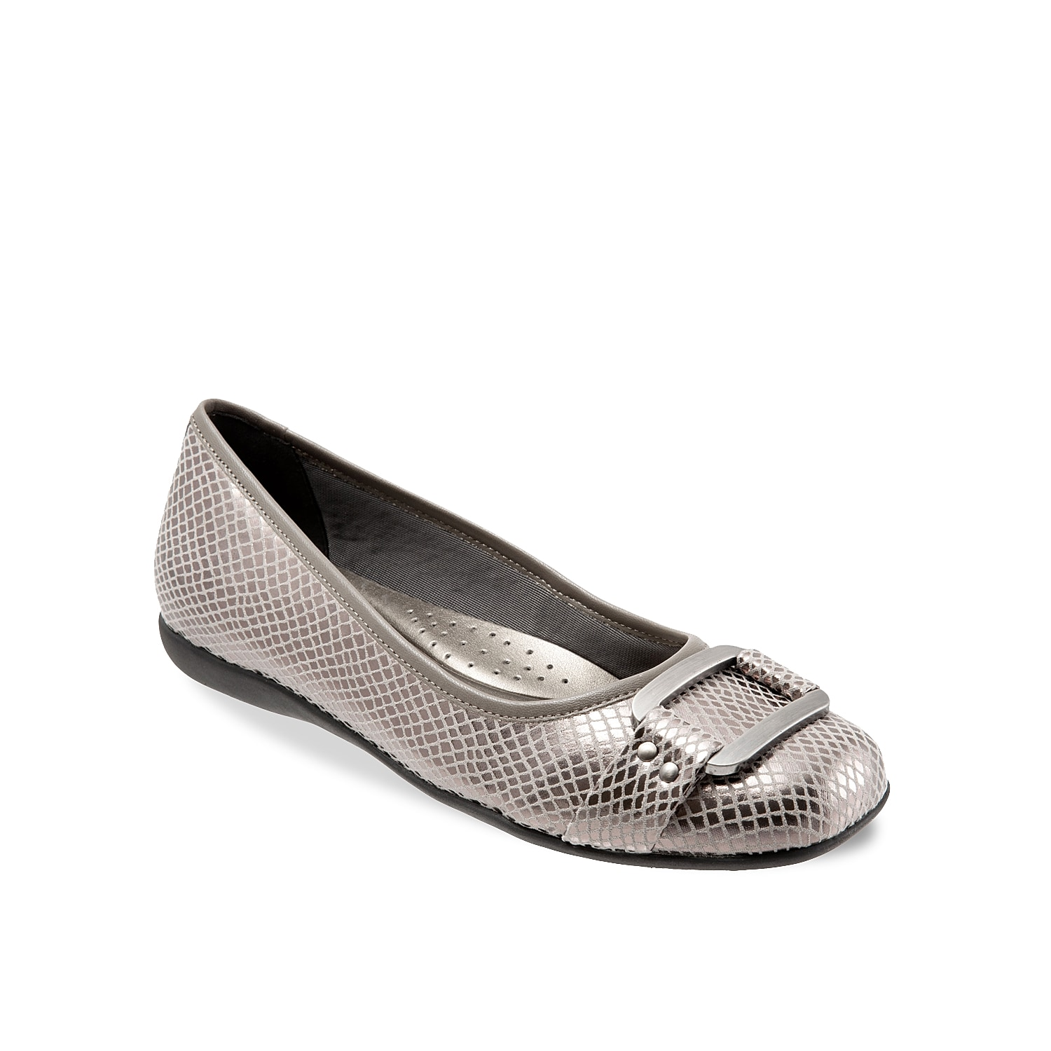 The Sizzle flat from Trotters will add some fierce style to your sophisticated look. Featuring an oversized metal ornament, this embossed flat will pair equally well with jeans or slacks.