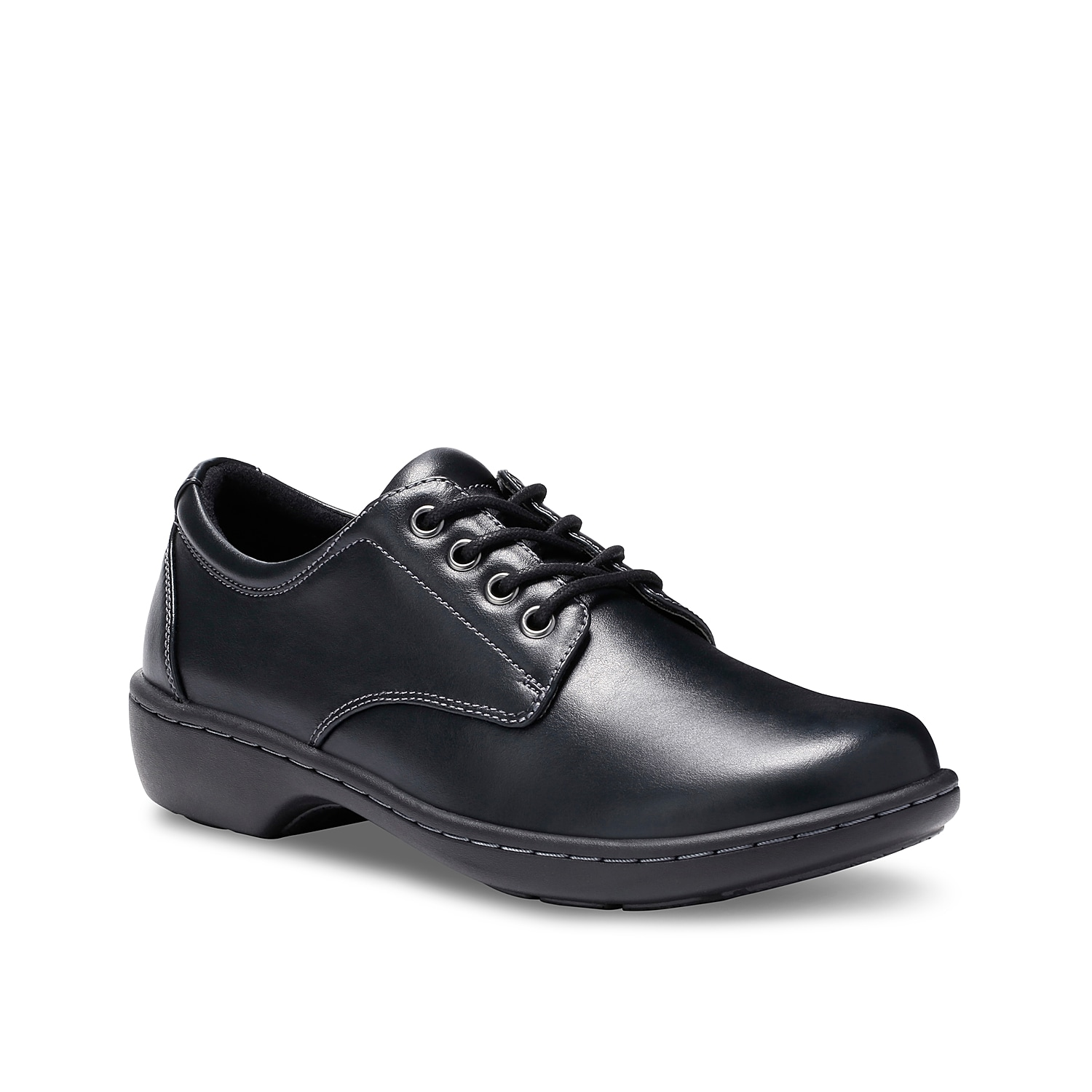 Lace up the ultra-comfortable Pandora oxford from Eastland. The cushioned insole and contrast stitch detailing will add the perfect finishing touch to your ensemble.