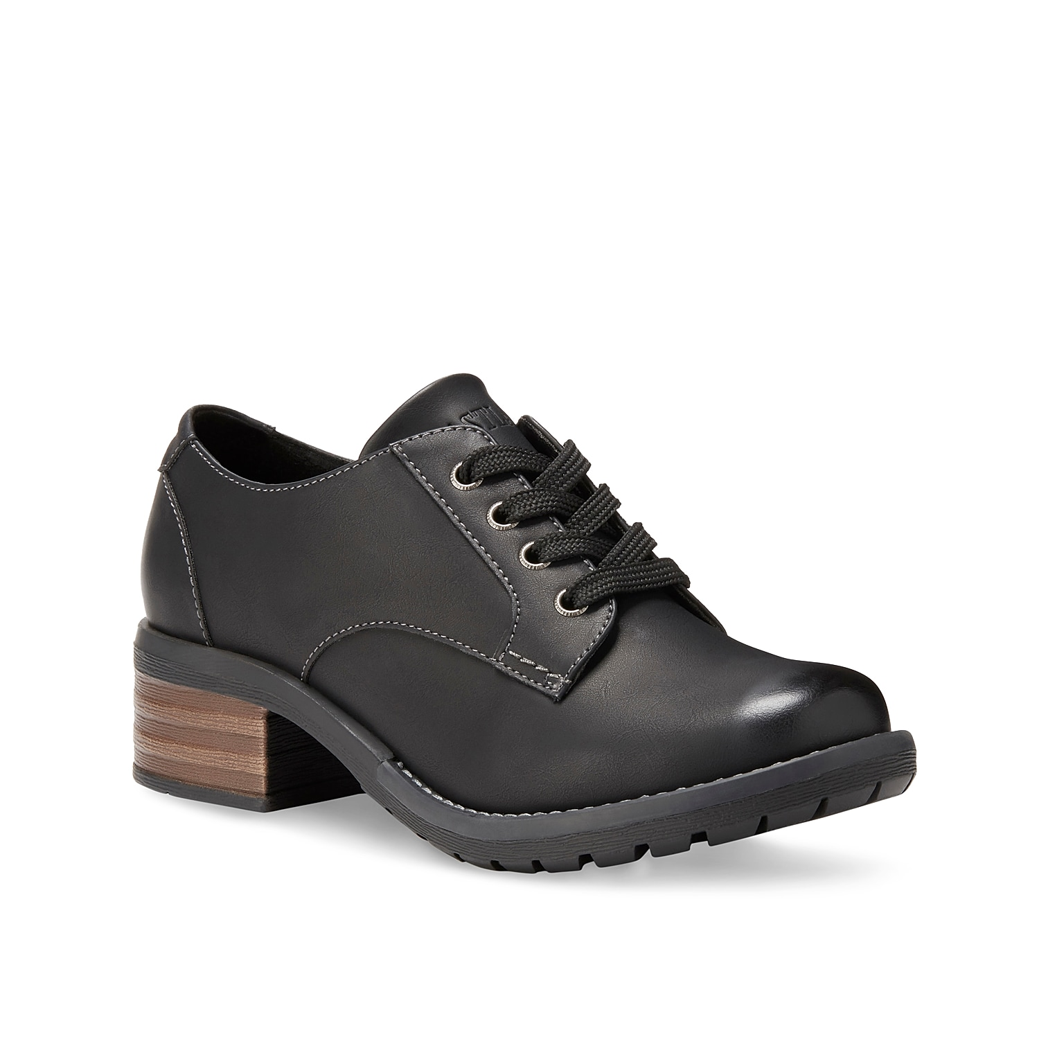 Complement your preppy look with the Trish oxford from Eastland. This bootie silhouette features a smooth leather construction and a cushioned Memory Foam insole for never-ending comfort.