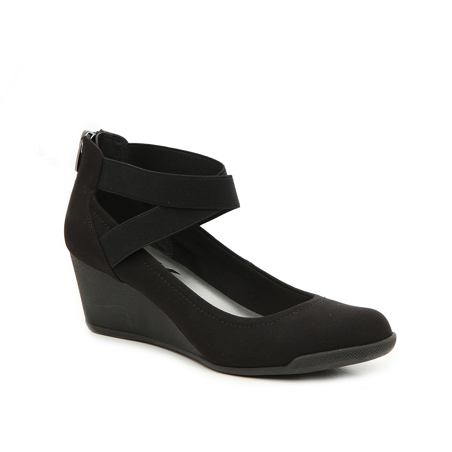The Sport Taini pump from Anne Klein will bring plenty of standout style to your office attire. These wedges feature a plush footbed for optimal comfort and are finished with crisscross elastic straps at the ankle for extra allure.