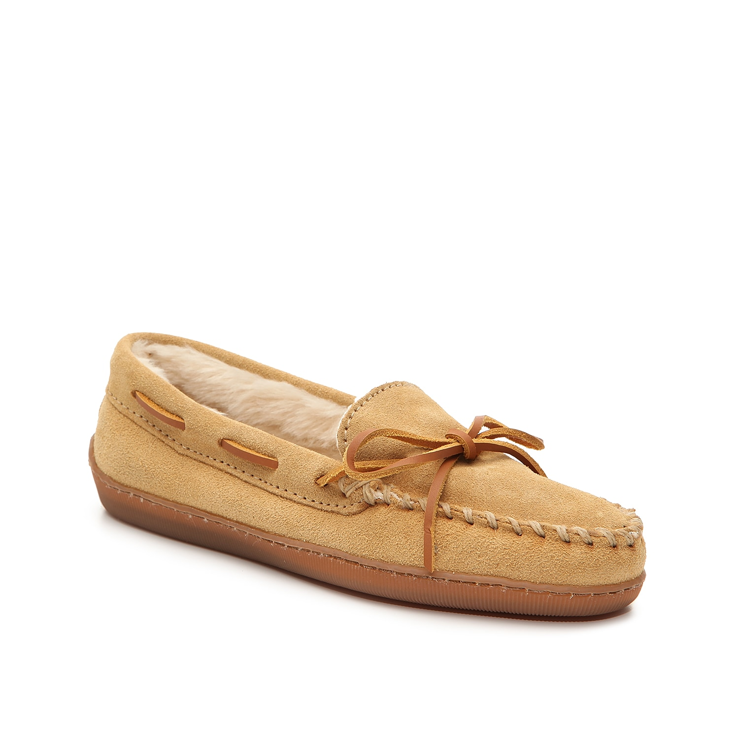 Add a versatile touch to lounge-ready looks with the Pile Lined Hard slipper from Minnetonka. These suede moccasins feature a warm faux fur lining and a durable rubber sole for indoor and outdoor use.