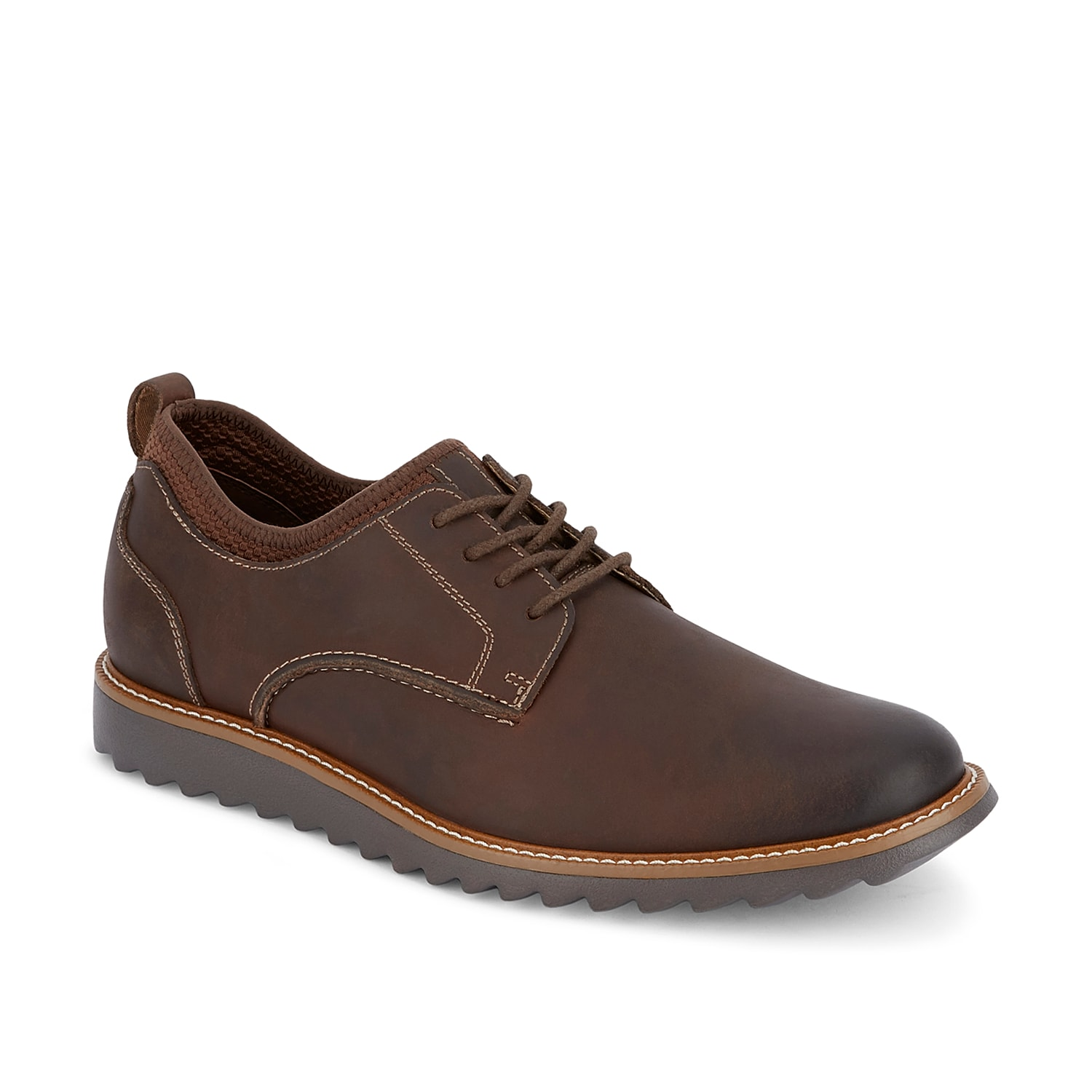 Complete work or weekend looks with the Dockers Elon oxford. These leather lace-ups feature a supportive footbed and plush midsole to ensure daylong comfort.