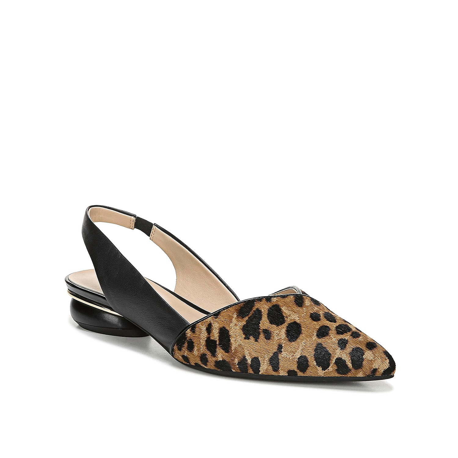 Bring a voguish look to your ensemble with the Rosaline flat from Franco Sarto. This slip-on is fashioned with a pointed toe and an animal print design that will give your shoe collection eye-catching style!