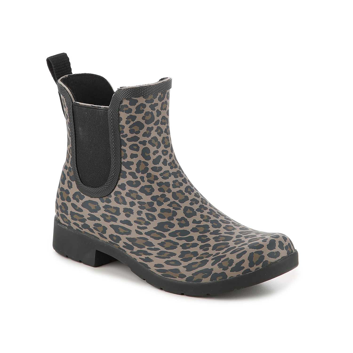 Splash it out on rainy days in the Eastlake Leopard wellies from Chooka. This Chelsea bootie features a wild print to brighten up those gloomy days!