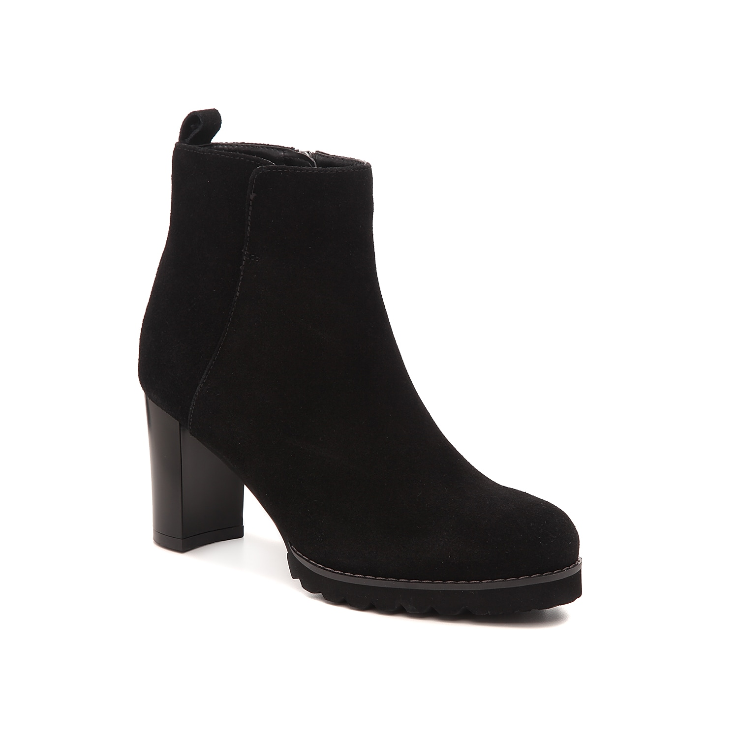 Take on wet or dry days in the Rana bootie from Blondo. These waterproof ankle boots feature a soft suede construction and a sturdy block heel to give your look a boost.