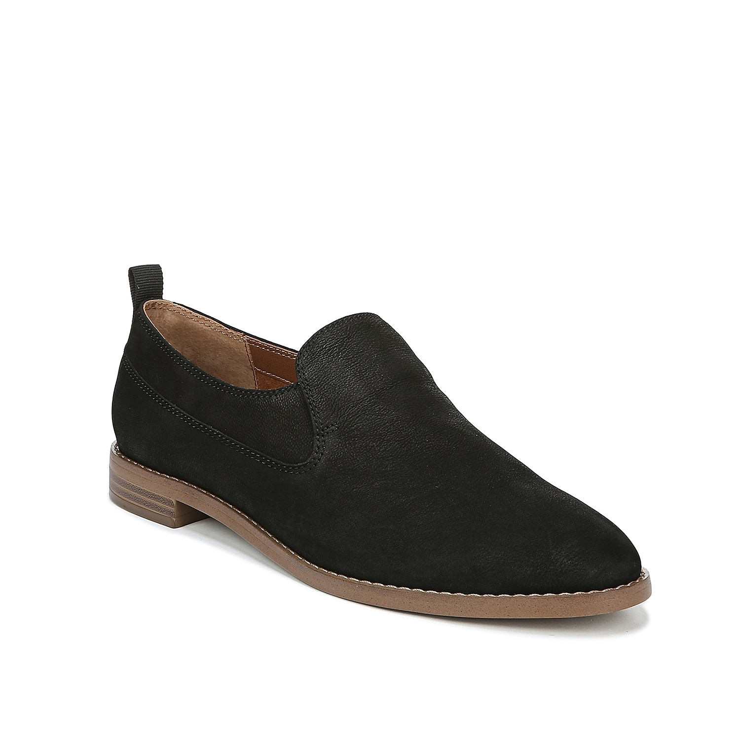 The Hum loafer from Franco Sarto will bring a sophisticated feel to any outfit. These slip-ons feature a streamlined design that can dress up skinny jeans or bring a laidback touch to cropped slacks.