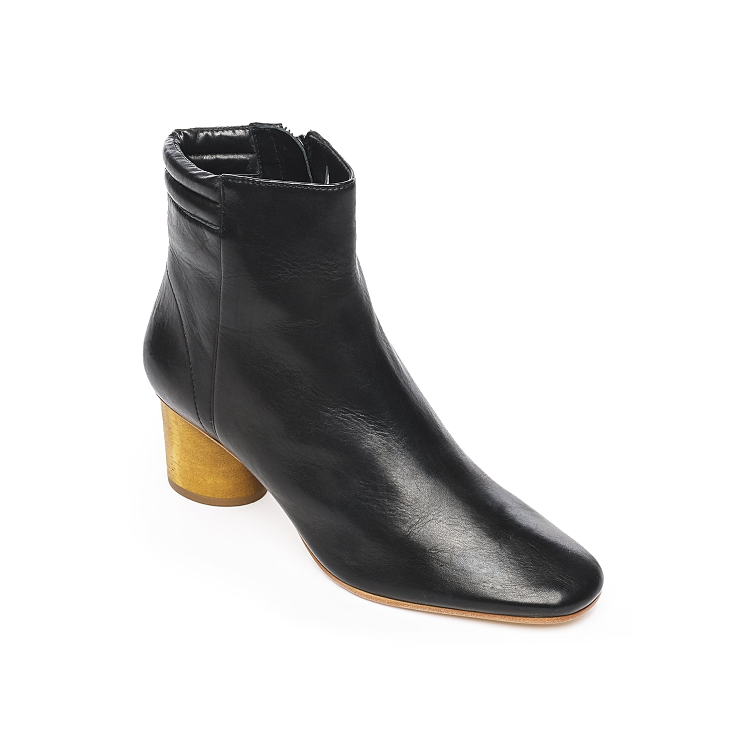 The Izabella bootie from Bernardo will become a new favorite in your cold weather wardrobe. Featuring a cylindrical wood block heel and quilted collar, this ankle boot will pair perfectly with your favorite trench coat for trendy style.