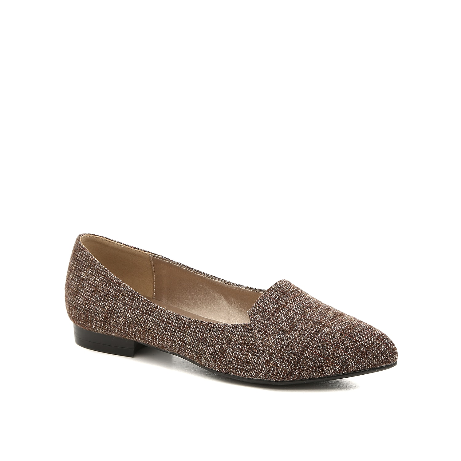 Enlighten your ensemble with the Floral loafer from Bellini. This flat is fashioned with a tweed fabric upper and a perfectly pointed toe that will accentuate your outfit!