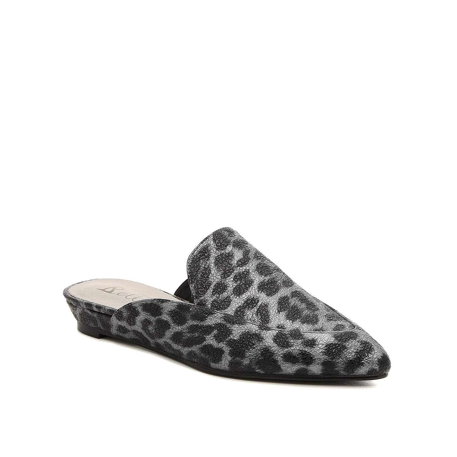 Take your ensemble to the next level with the Formosaleo mule froom Bellini. This silhouette is fashioned with a textural, leopard print upper and a sliver wedge that will give you the perfect lift!