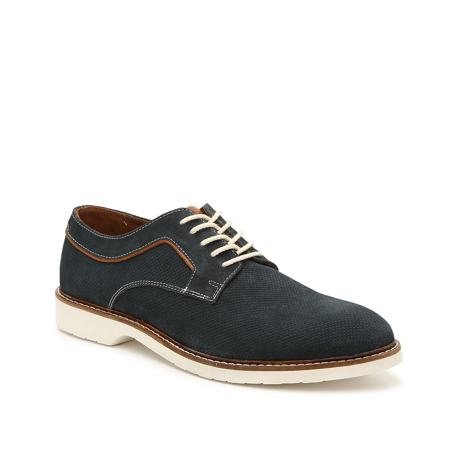 Textured suede and braided rope laces bring craftsman quality to the Ledford oxfords from Johnston & Murphy. An all-white sole casualizes this pair, making them versatile enough to wear from work to weekend plans.