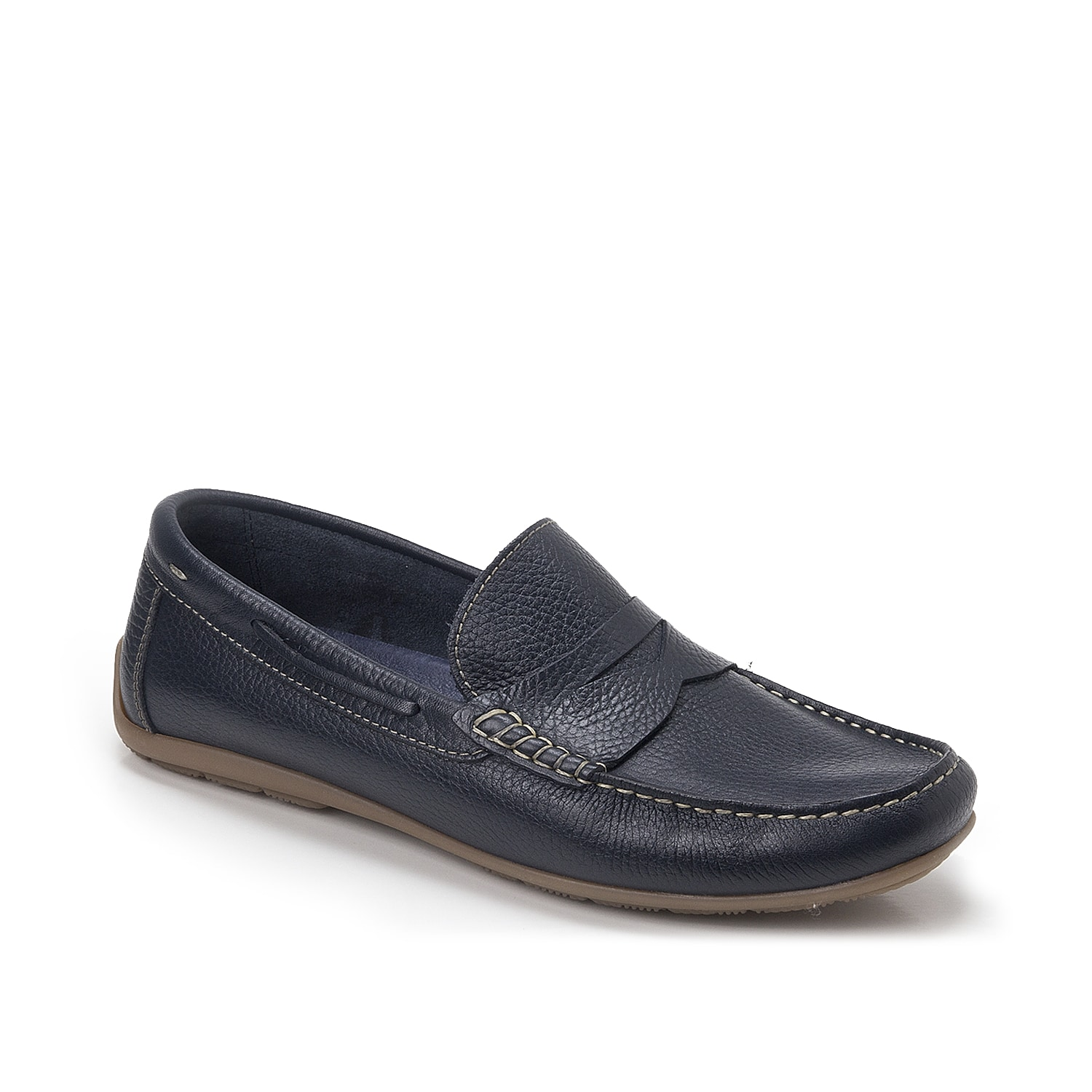 The Viseu penny loafer from Sandro Moscoloni is perfect for cruising around town. This driving moccasin featuring a pebbled leather finish and stitched accents for casual flair.