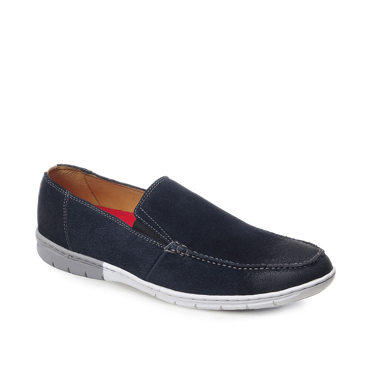 The Manson slip-on sneaker from Sandro Moscoloni is the perfect mix of sporty and tailored style. A breathable leather lining keeps you comfortable while the rubber sole ensures sturdy steps.