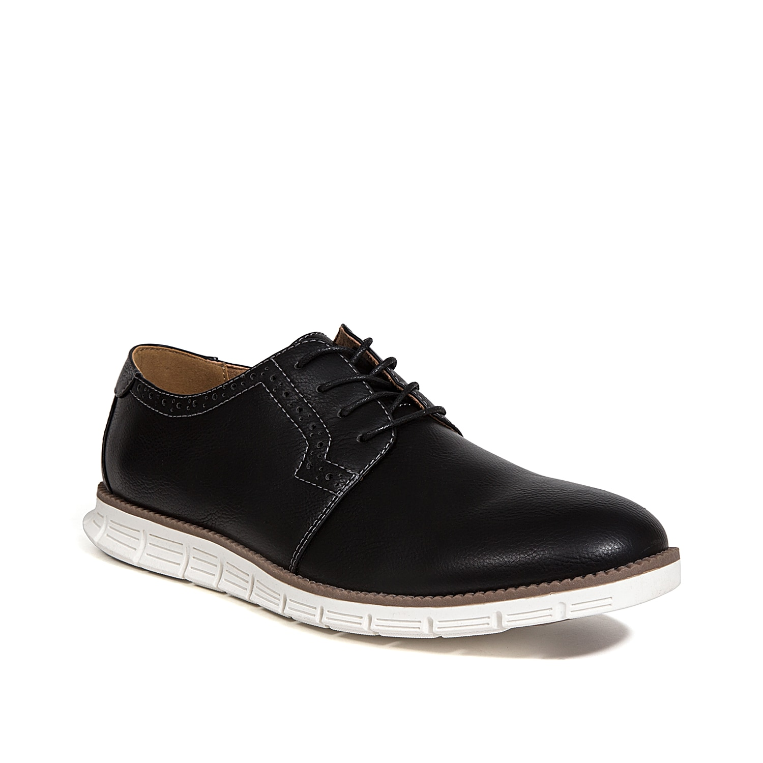 Your tailored style will get a sporty finish with the Aiden oxford from Deer Stags. A memory foam footbed and foam midsole will keep you comfortable anywhere you go.