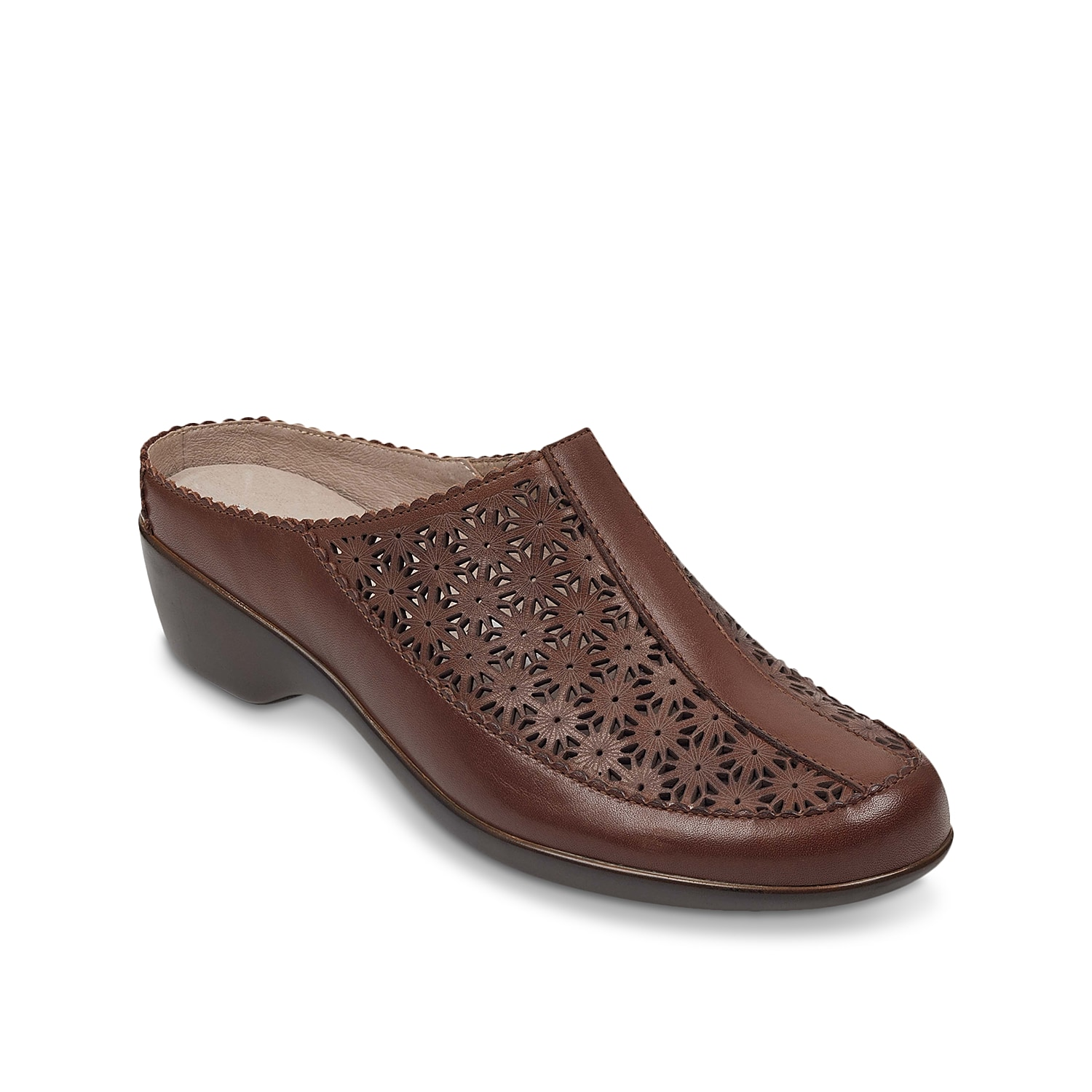 Showcase your free-spirited side in the Dusk mule from Easy Spirit. These slip-on clogs feature nature-inspired laser-cut detailing and a padded footbed for long-lasting comfort.