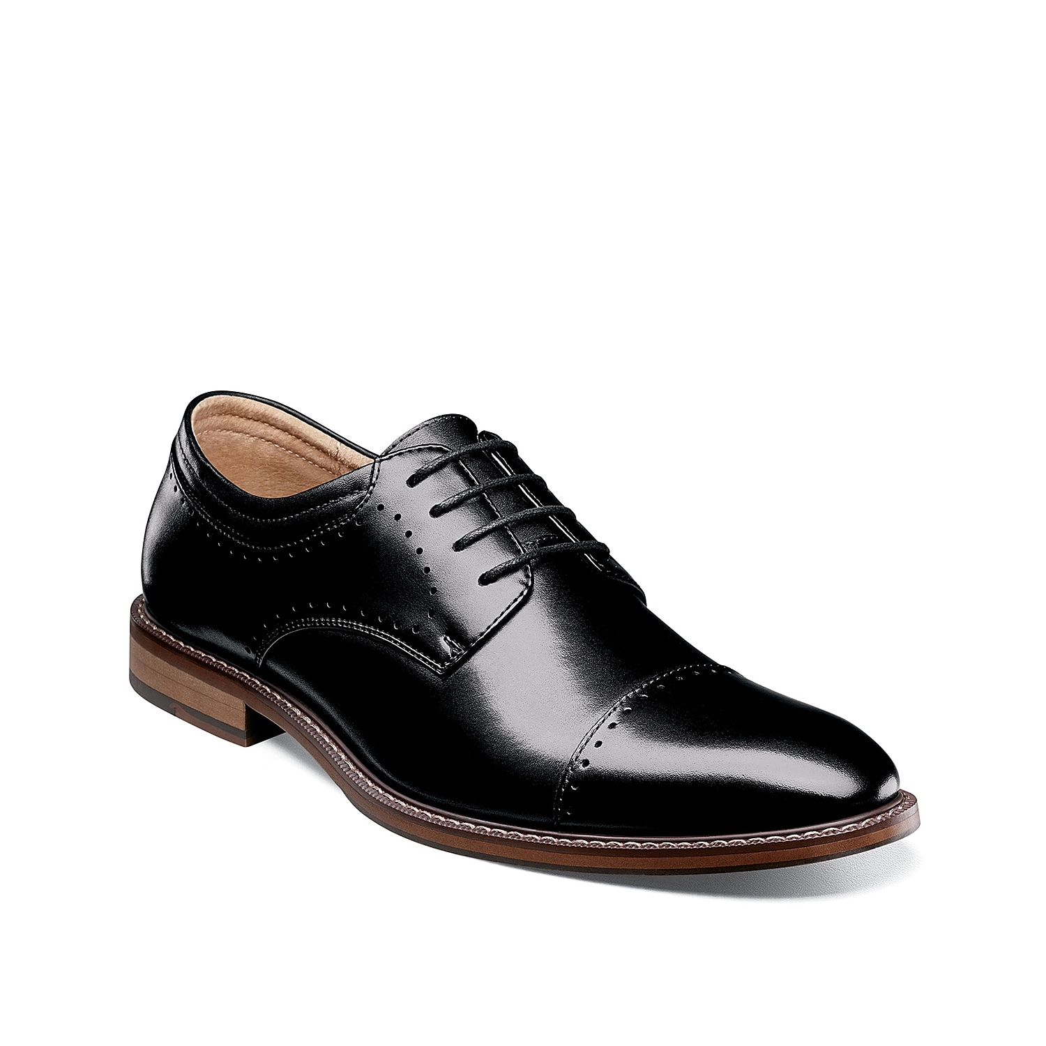 Upgrade your tailored style with the Flemming cap toe oxford from Stacy Adams. A burnished leather upper updates this classic style with modern appeal.