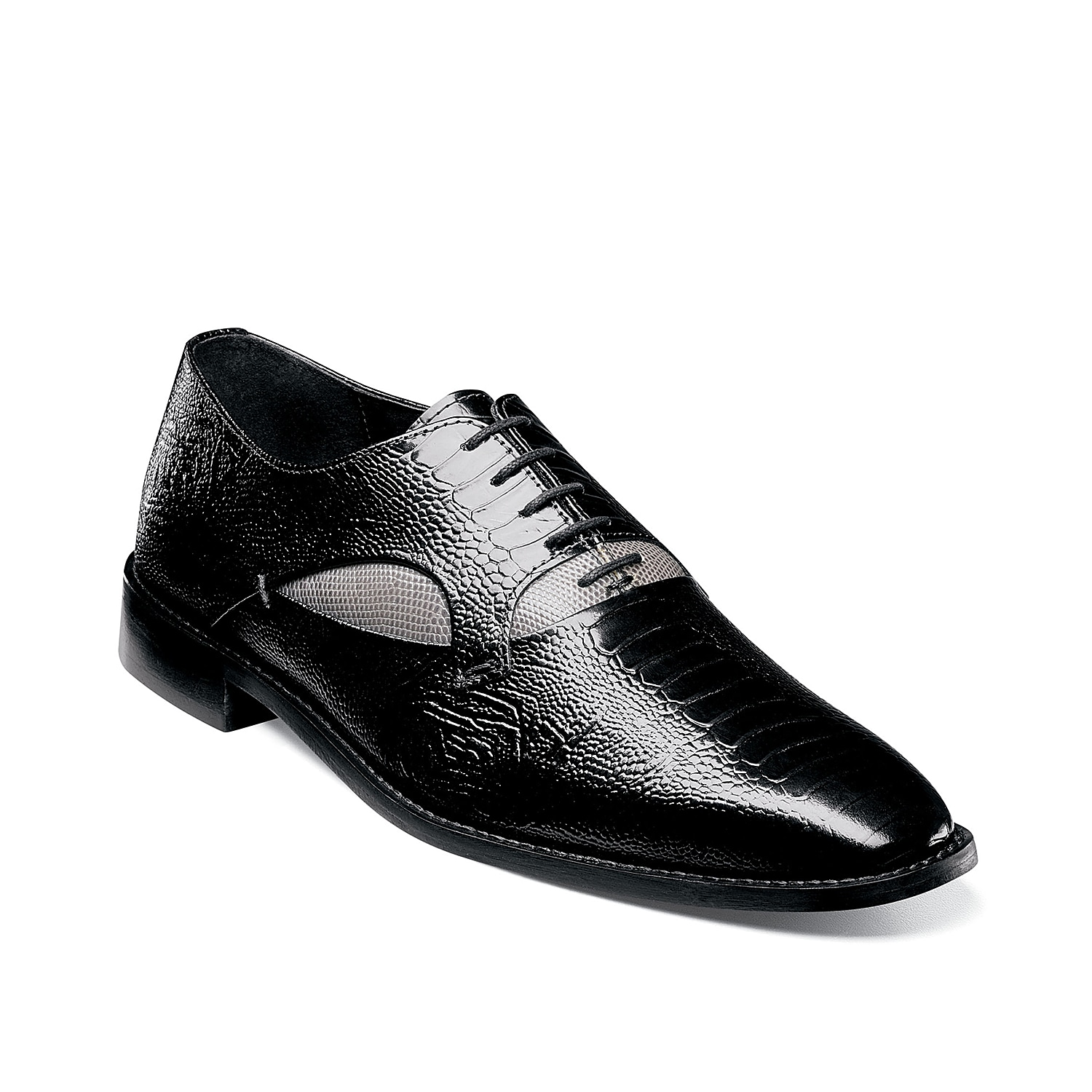 Stay ahead of the fashion curve with the Ricoletti oxford from Stacy Adams. Featuring a bold animal print leather upper, this lace-up will take your tailored look to the next level.
