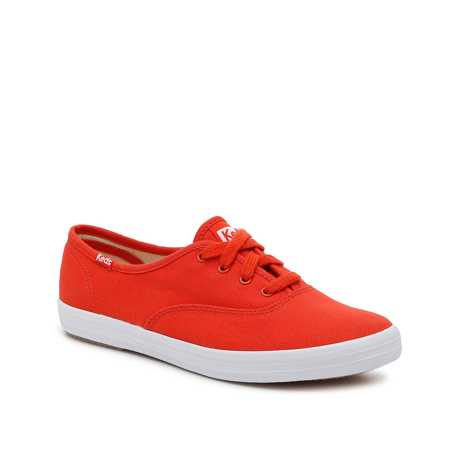 As the quintessential low-top that everyone knows and loves, the women\\\'s Champion from Keds is a sneaker staple. This classic shoe looks great with everything from jeans to skirts.