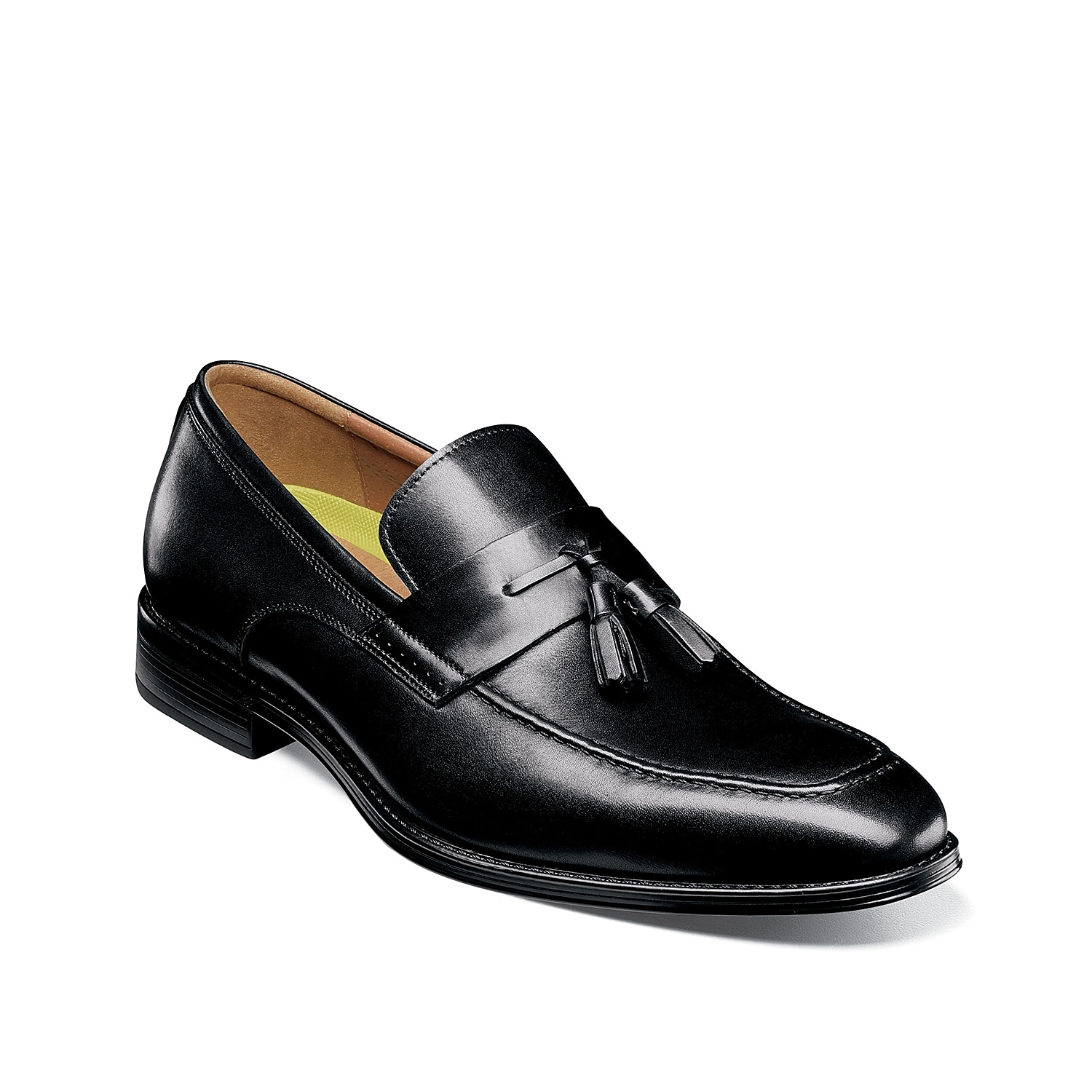Highlight your sophisticated style in the Amelio loafers from Florsheim. These slip-ons feature a modern square toe design and tassel detailing for an extra pop.