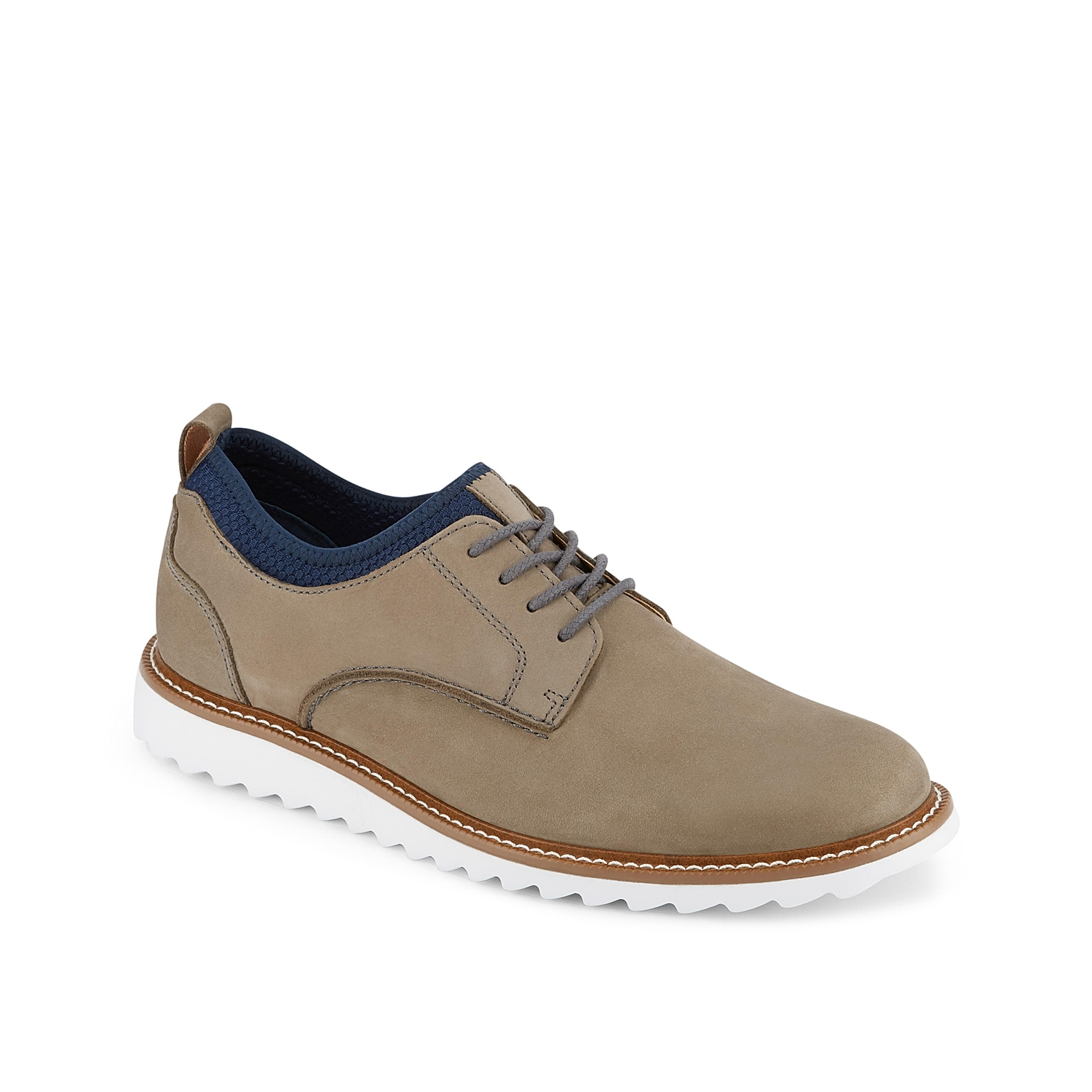 Update your oxford collection with trendy appeal with the Flemming from Dockers. Featuring a sporty mesh collar and sawtooth EVA sole, this lace-up can be dressed up or down for any outfit.