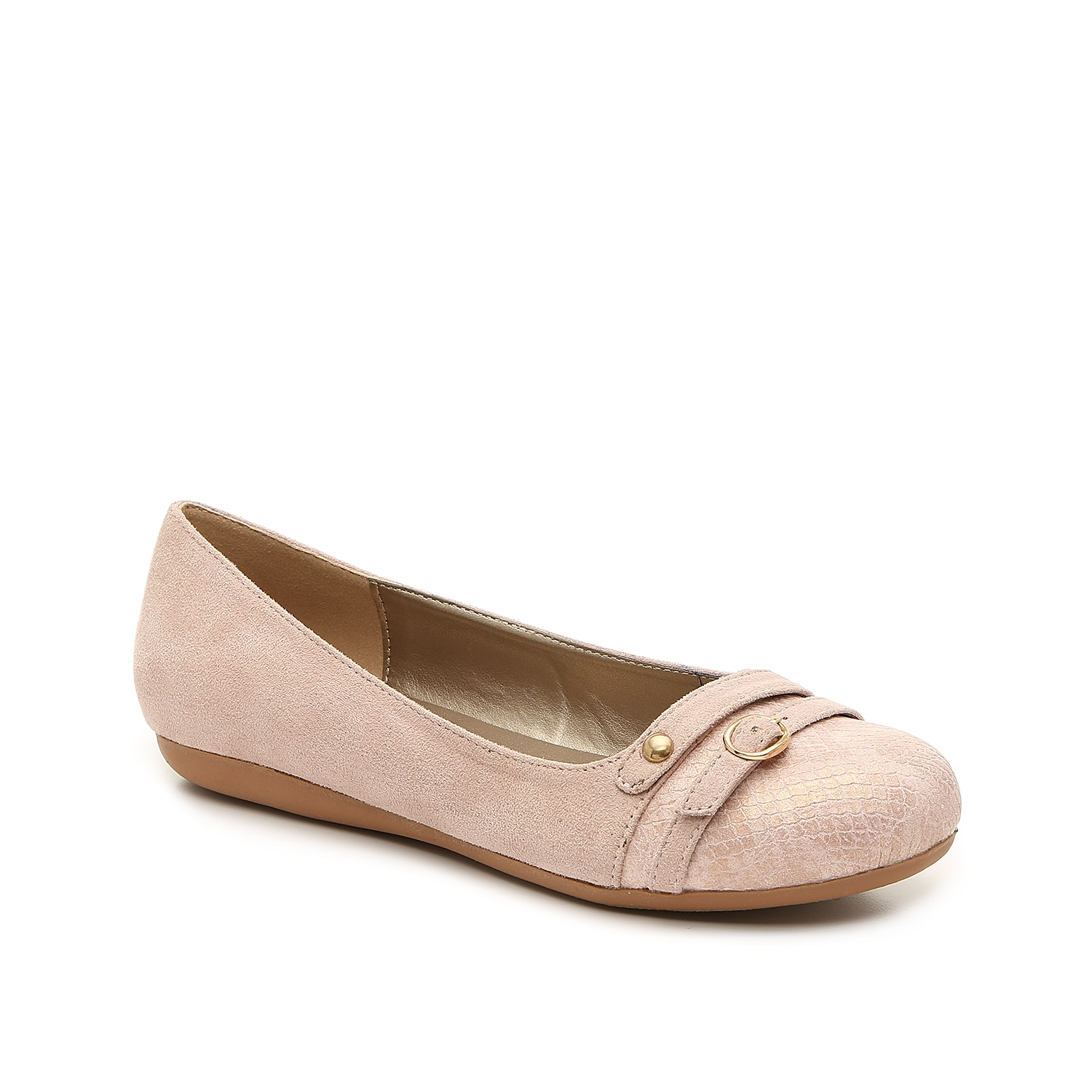 Bellini brings you the Bamboo flat for daylong comfort. This slip-on features a cushioned footbed and snake print accents for an eye-catching finishing touch!