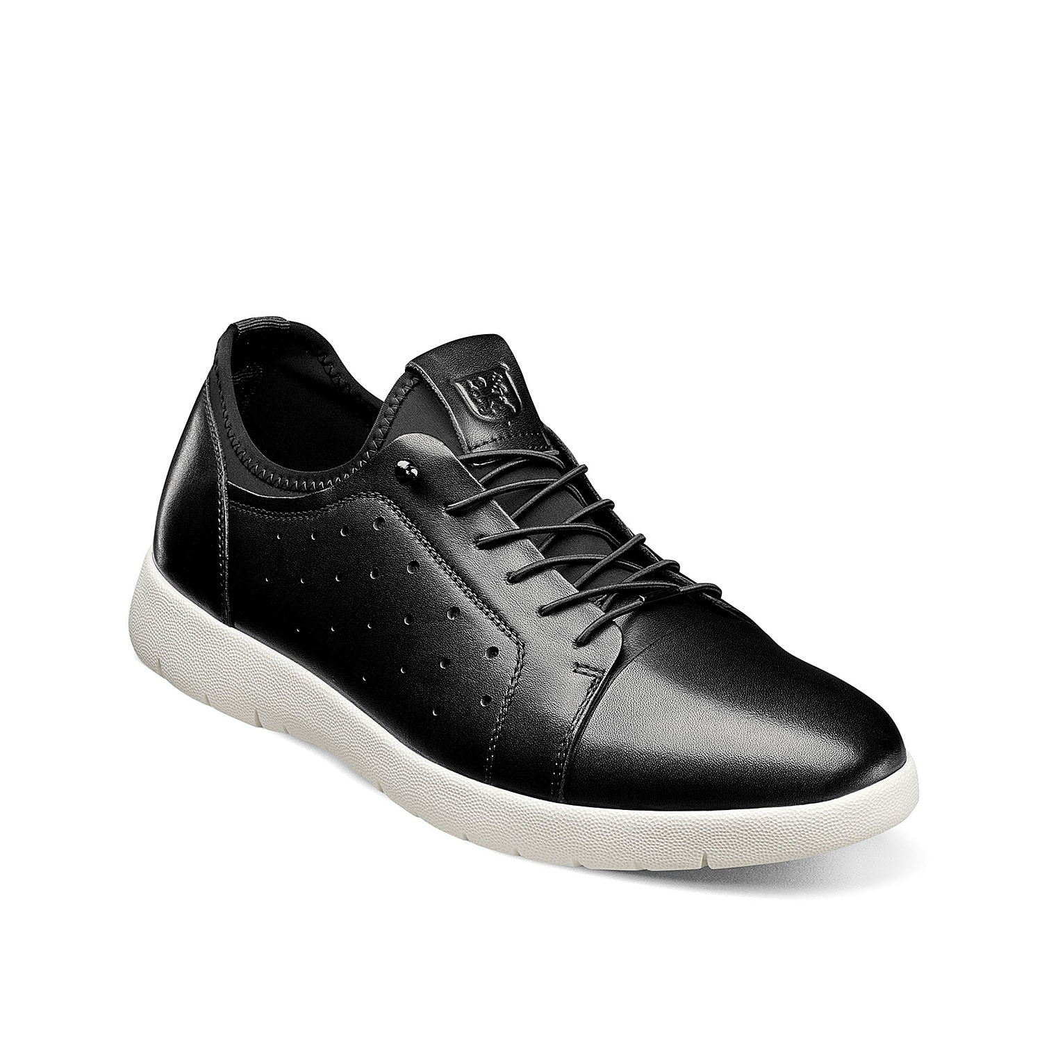 Gain major street cred with the Halden Oxford sneaker from Stacy Adams. This retro design featuring a leather upper and cushioned insole is the perfect combination of dressy and sporty.