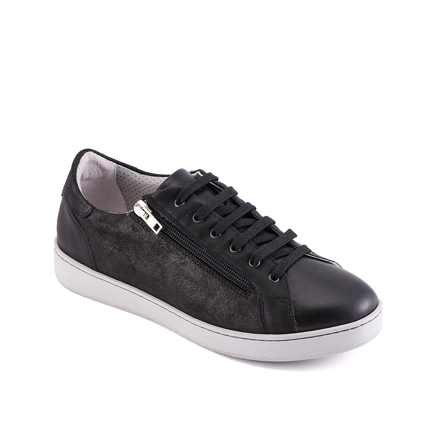 Once you zip into the Eletha sneaker from David Tate, you\\\'ll want to rock them with every outfit! A breathable mesh lining and vulcanized sole adds a sporty finishing touch to this pair.