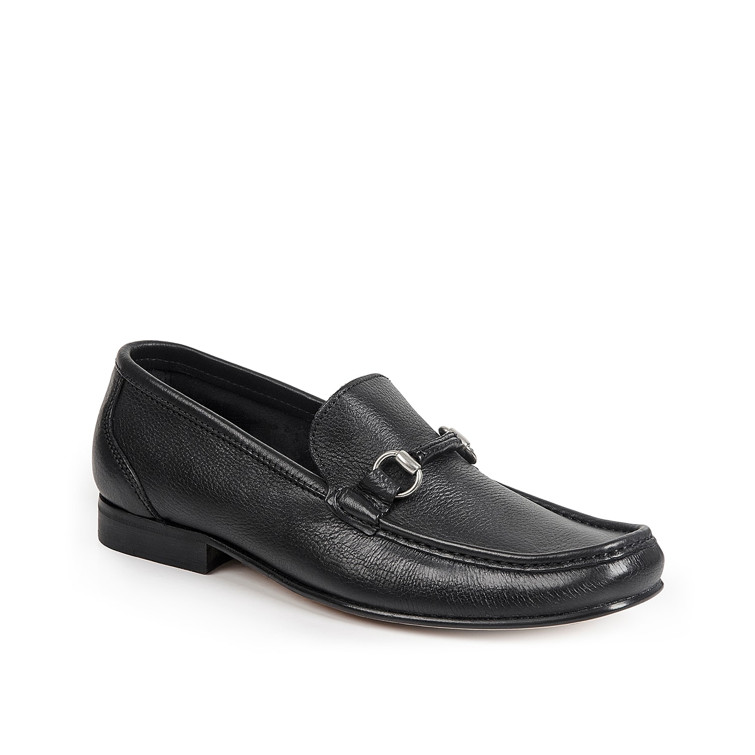 The Amadeo loafer from Sandro Moscoloni flaunts a handsome silhouette with a tailored twist. A smooth leather upper is finished with a metal bit ornament and a slight heel.