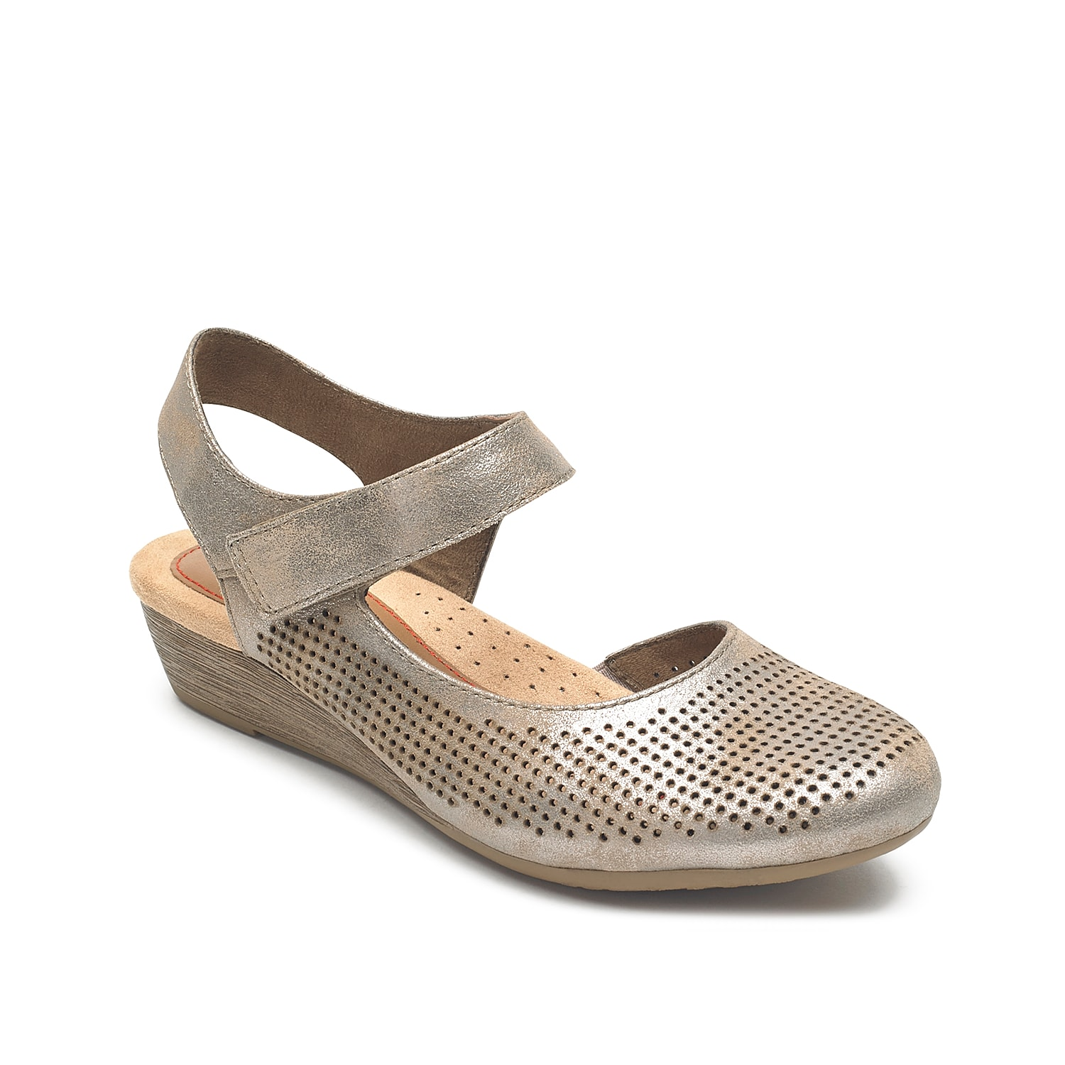The Judson flat from Rockport lifts your flat collection with this subtle variation. A low-profile heel adds a hint of walkable height and a secure ankle strap holds the shoe in place with ease. A d\\\'Orsay cutout adds elegance to the silhouette.