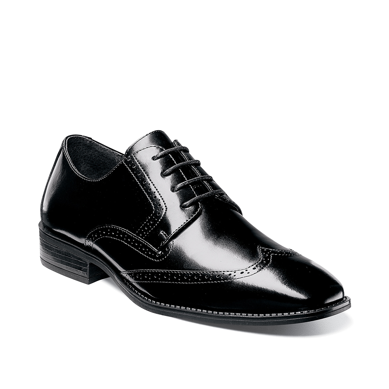 Add contemporary style to your wardrobe with the Adley wingtip oxford from Stacy Adams. This lace-up pair features smooth leather upper and perforated brogue accents for a dapper finishing touch!