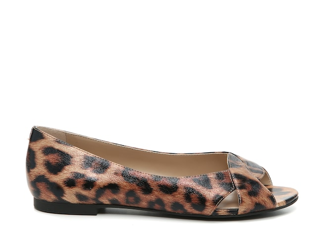 .98 BABRO FLAT at DSW + Free shipping for members and free to join!