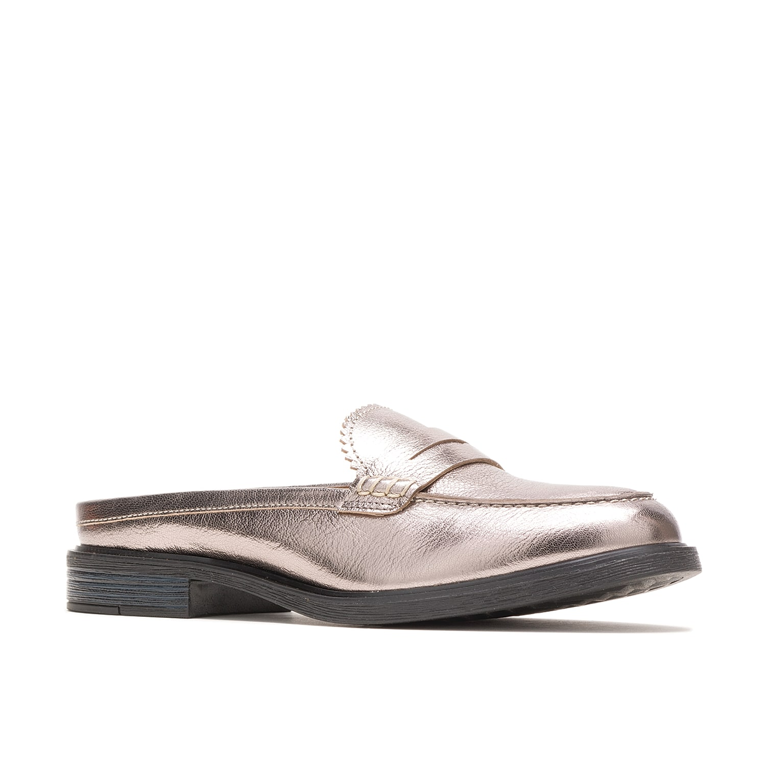 Get the convenience and class you\\\'ve wanted from the Hush Puppies Bailey mule. Designed with crafty penny moc stitches and a striking metallic finish, this slip-on has a Bounce¿ footbed for high responsiveness and breathable fabric lining to pamper your foot.