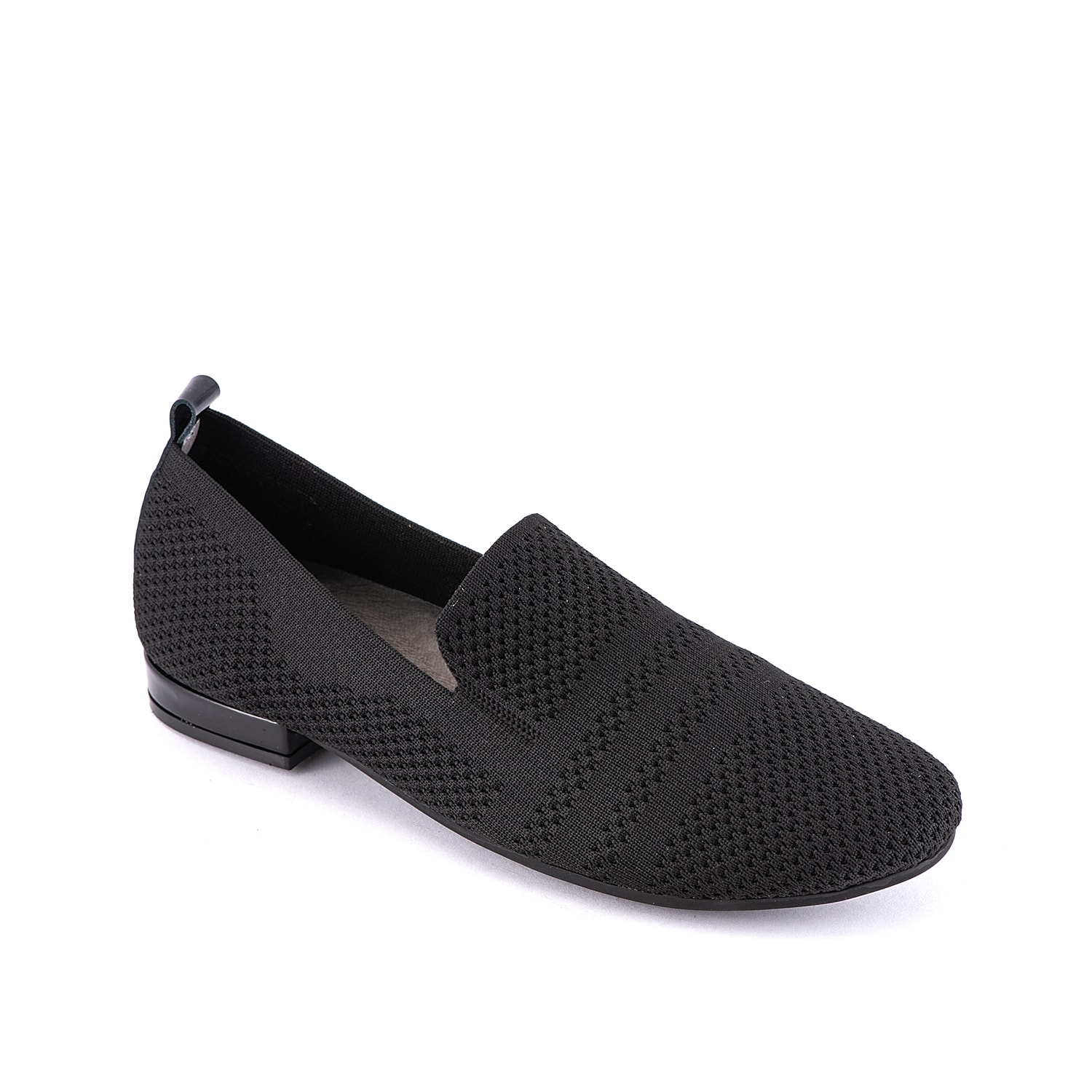 Give your ensemble a contemporary look with the Ulyssa loafer from David Tate. This slip-on is fashioned with a stretch fabric upper and compliments dress pants or vintage jeans for a versatile look!