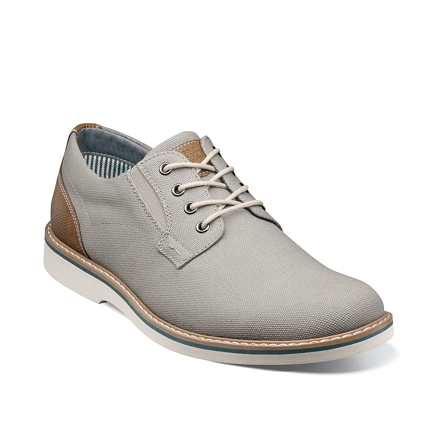 The Barclay oxford from Nunn Bush adds a refined feel to any outfit. These lace-ups feature a textured design for extra intrigue and include a memory foam footbed to ensure daylong comfort.